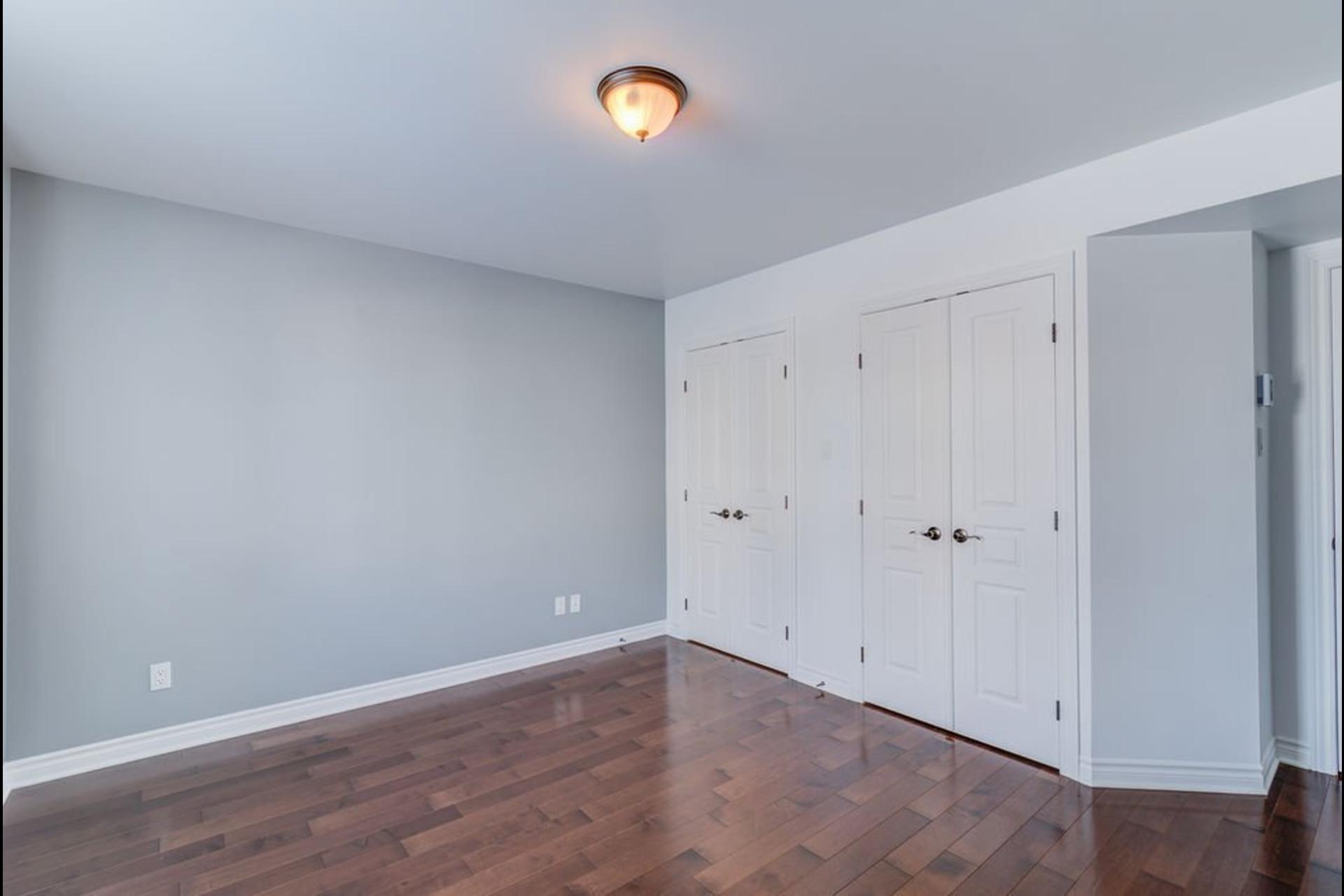 image 18 - Appartement À vendre Mirabel - 7 pièces