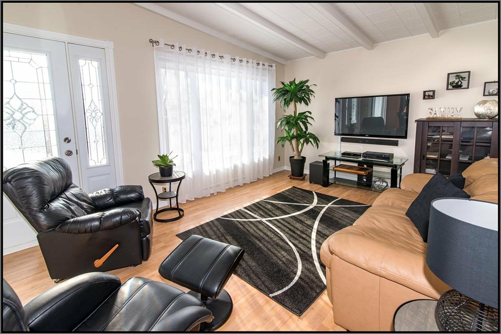 image 1 - House For sale Beauport Québec  - 13 rooms