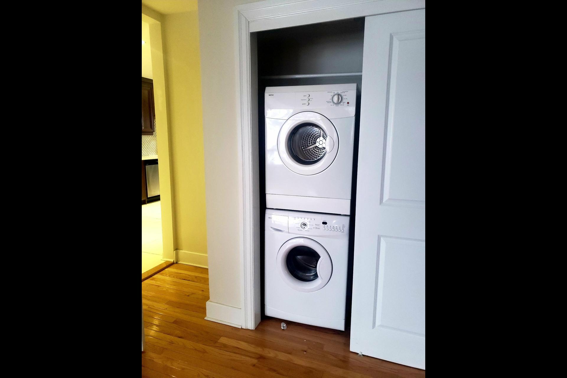 image 9 - Appartement À louer Côte-Saint-Luc - 7 pièces