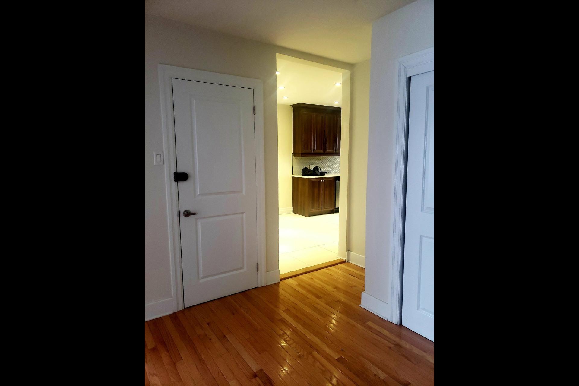 image 7 - Appartement À louer Côte-Saint-Luc - 7 pièces