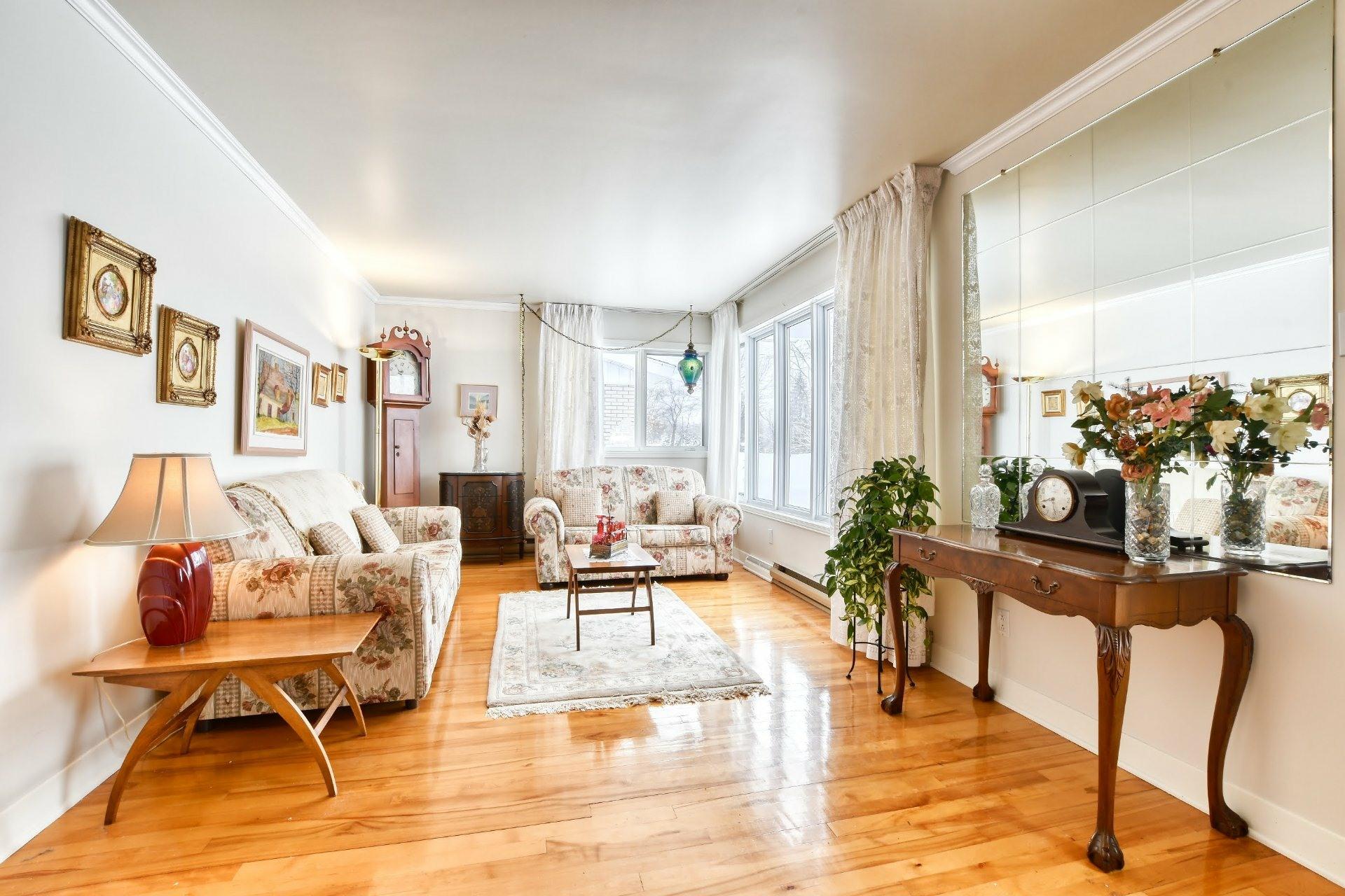 image 1 - Maison À vendre Notre-Dame-des-Prairies - 9 pièces
