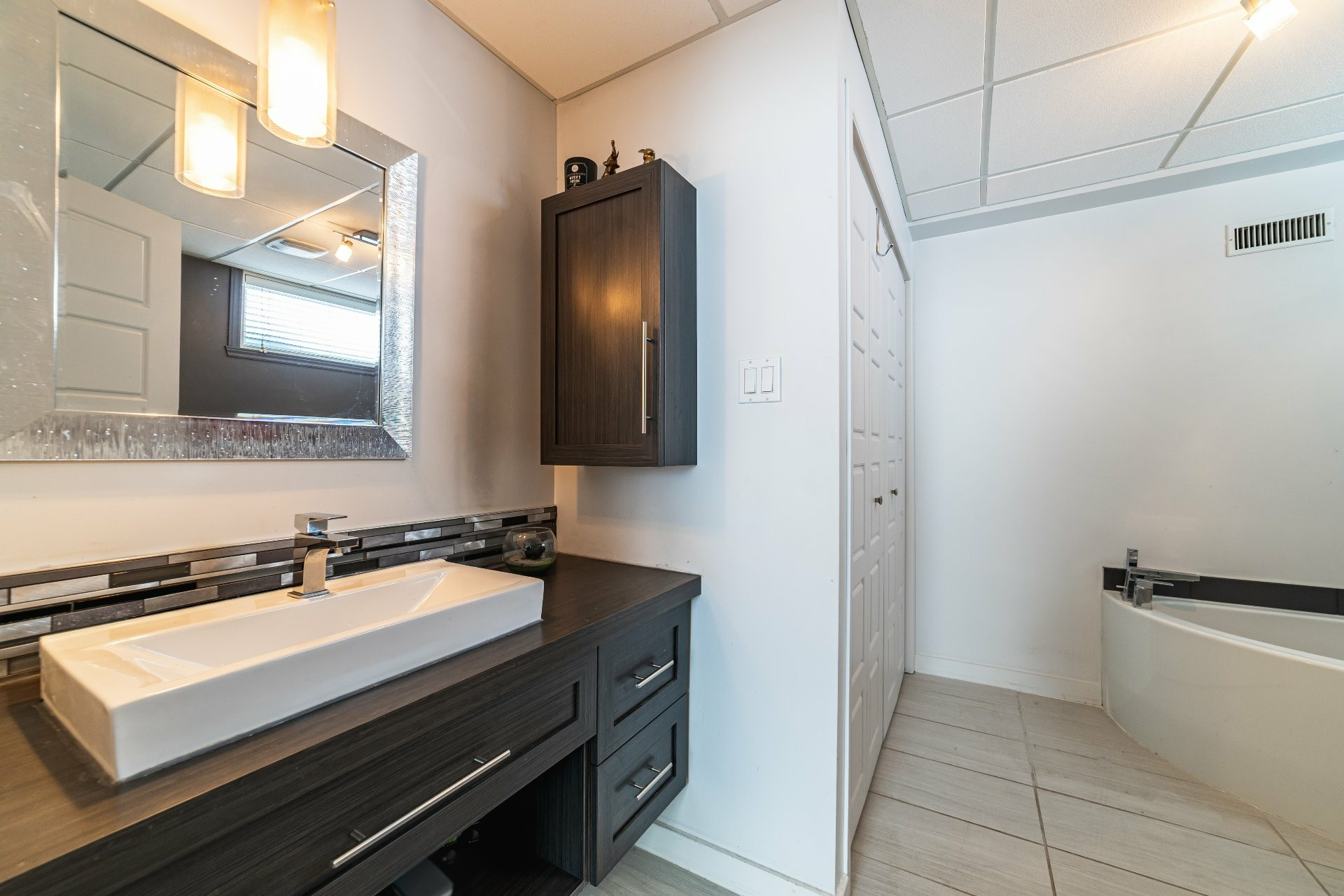 image 33 - House For sale Charlesbourg Québec  - 11 rooms
