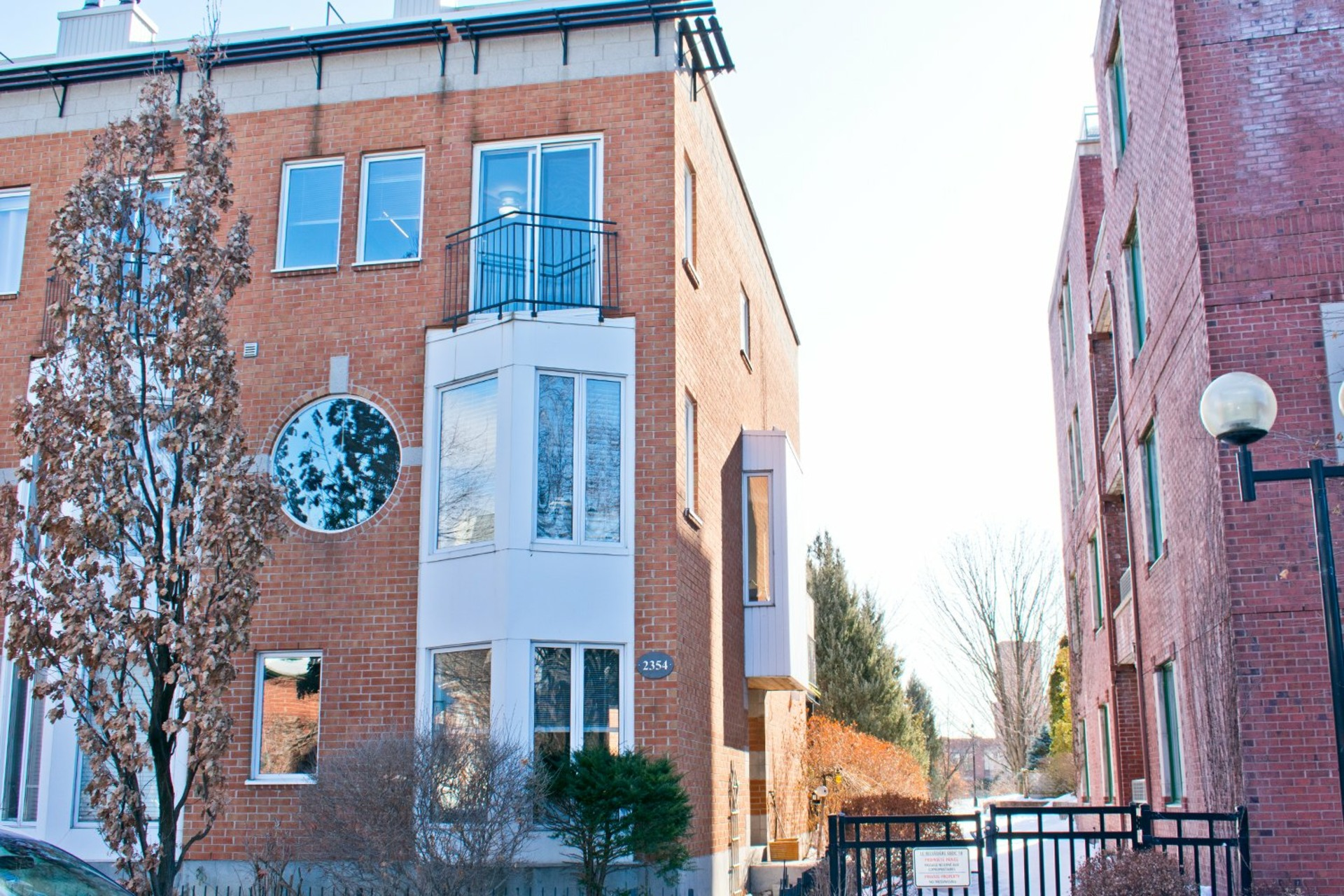 image 0 - Maison À vendre Le Sud-Ouest Montréal  - 9 pièces