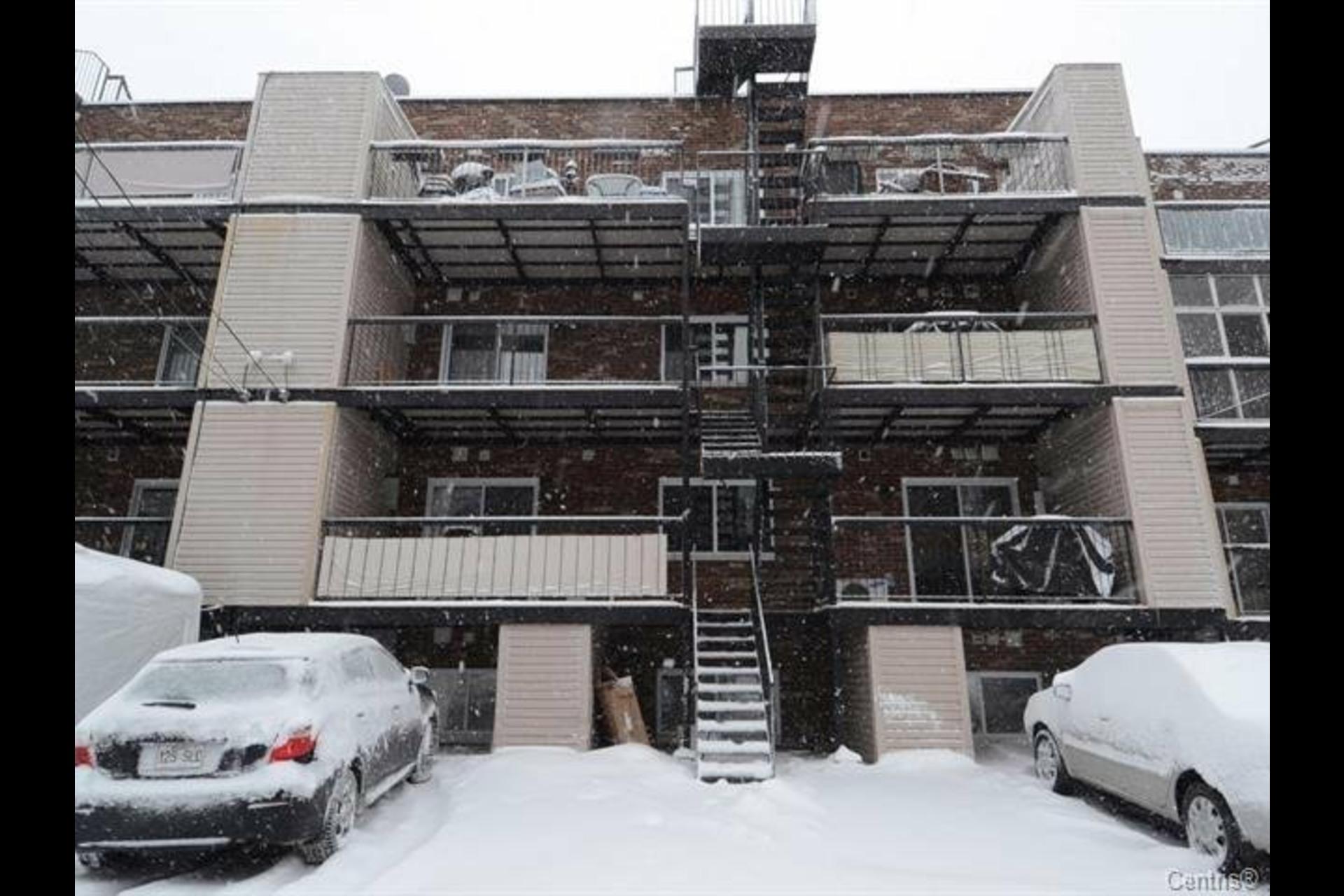 image 1 - Appartement À vendre Ville-Marie Montréal  - 4 pièces