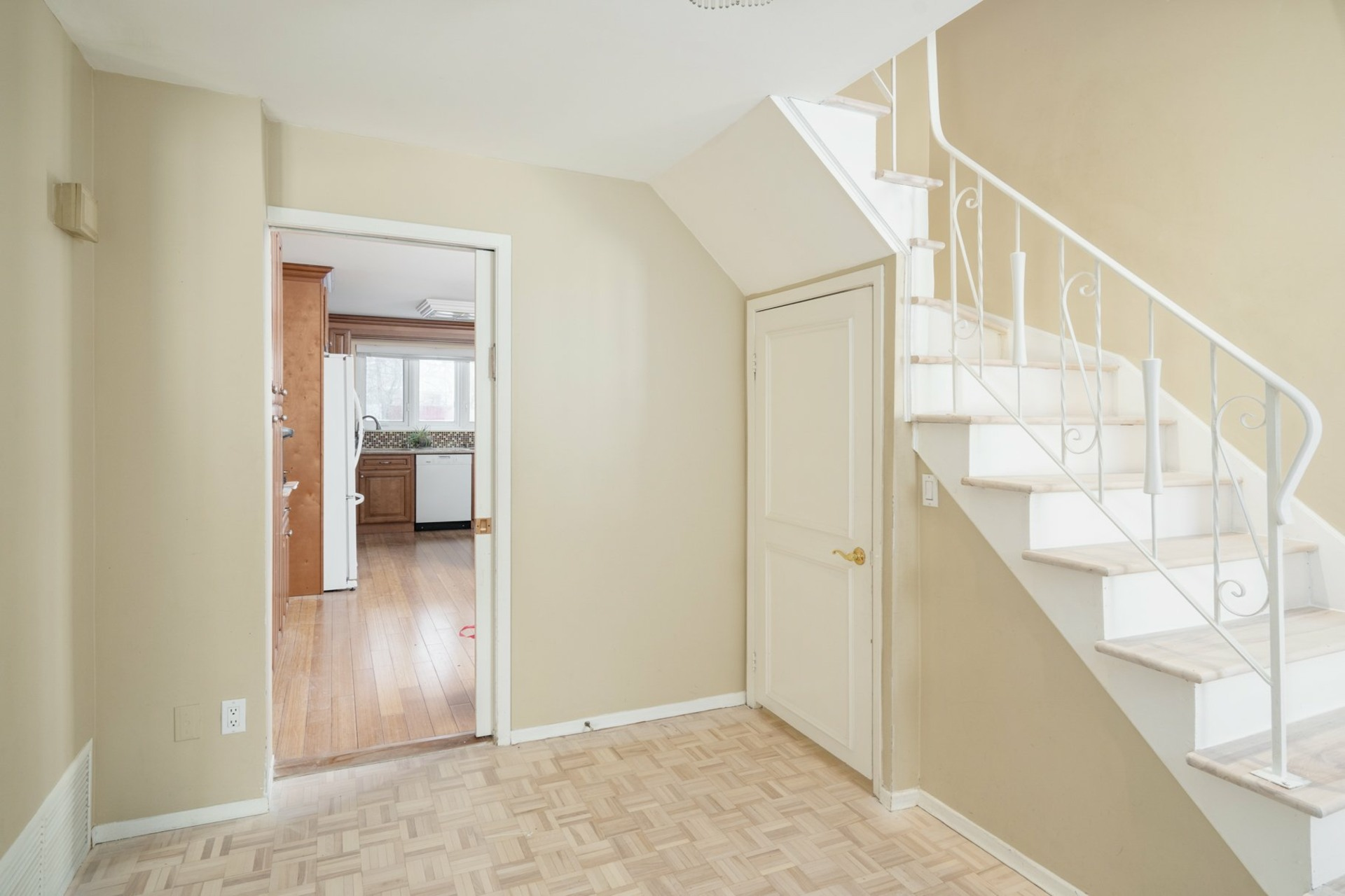 image 1 - House For sale Hampstead - 10 rooms