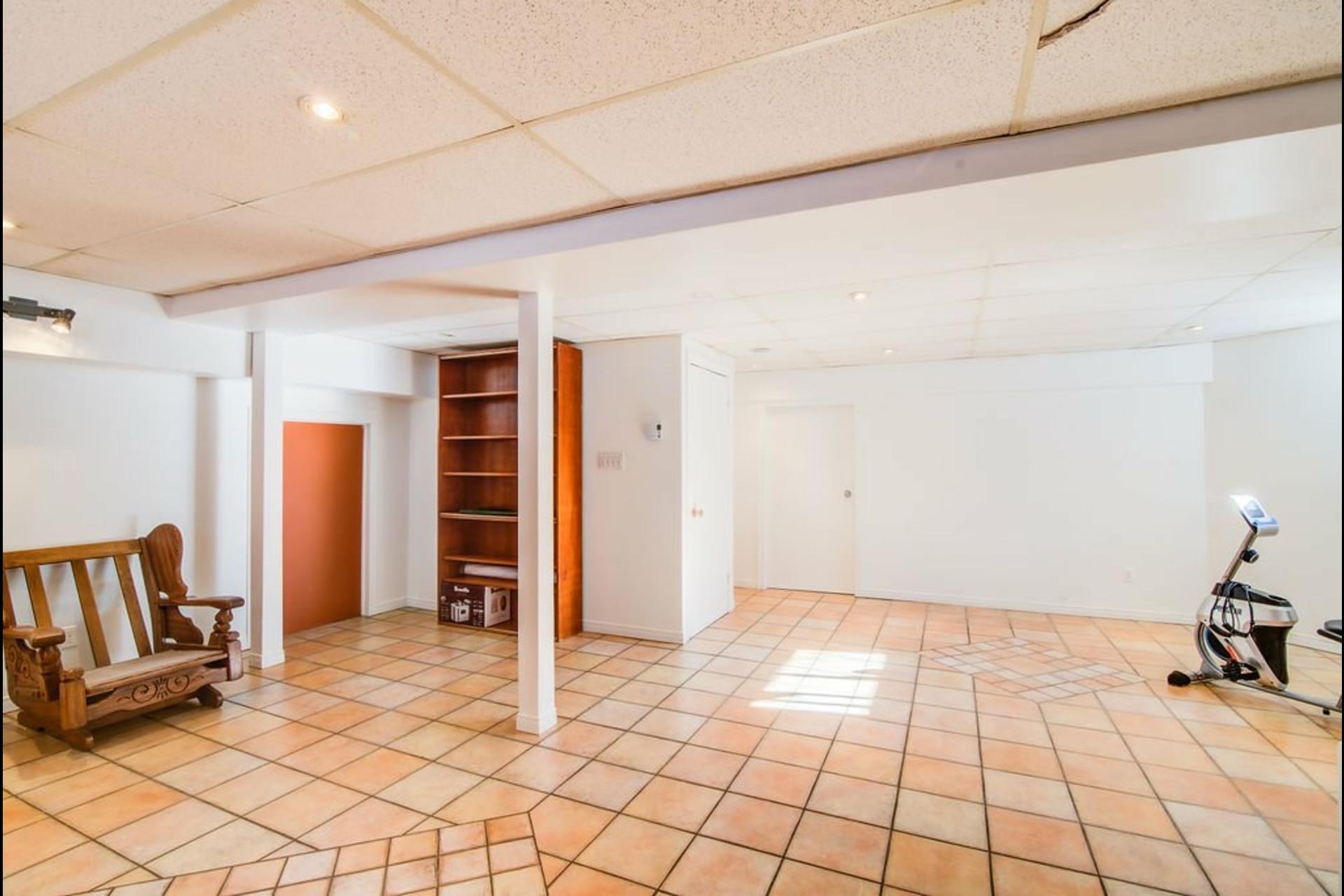 image 22 - Maison À vendre Sainte-Rose Laval  - 17 pièces