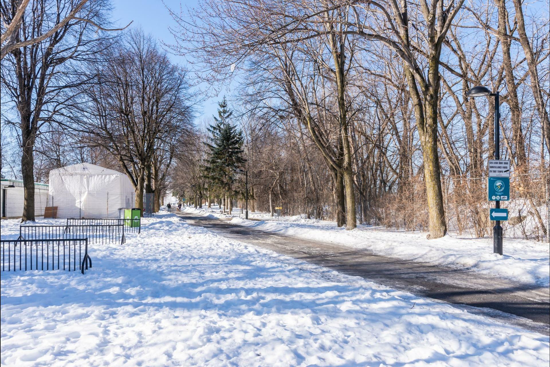 image 31 - Appartement À louer Le Sud-Ouest Montréal  - 7 pièces