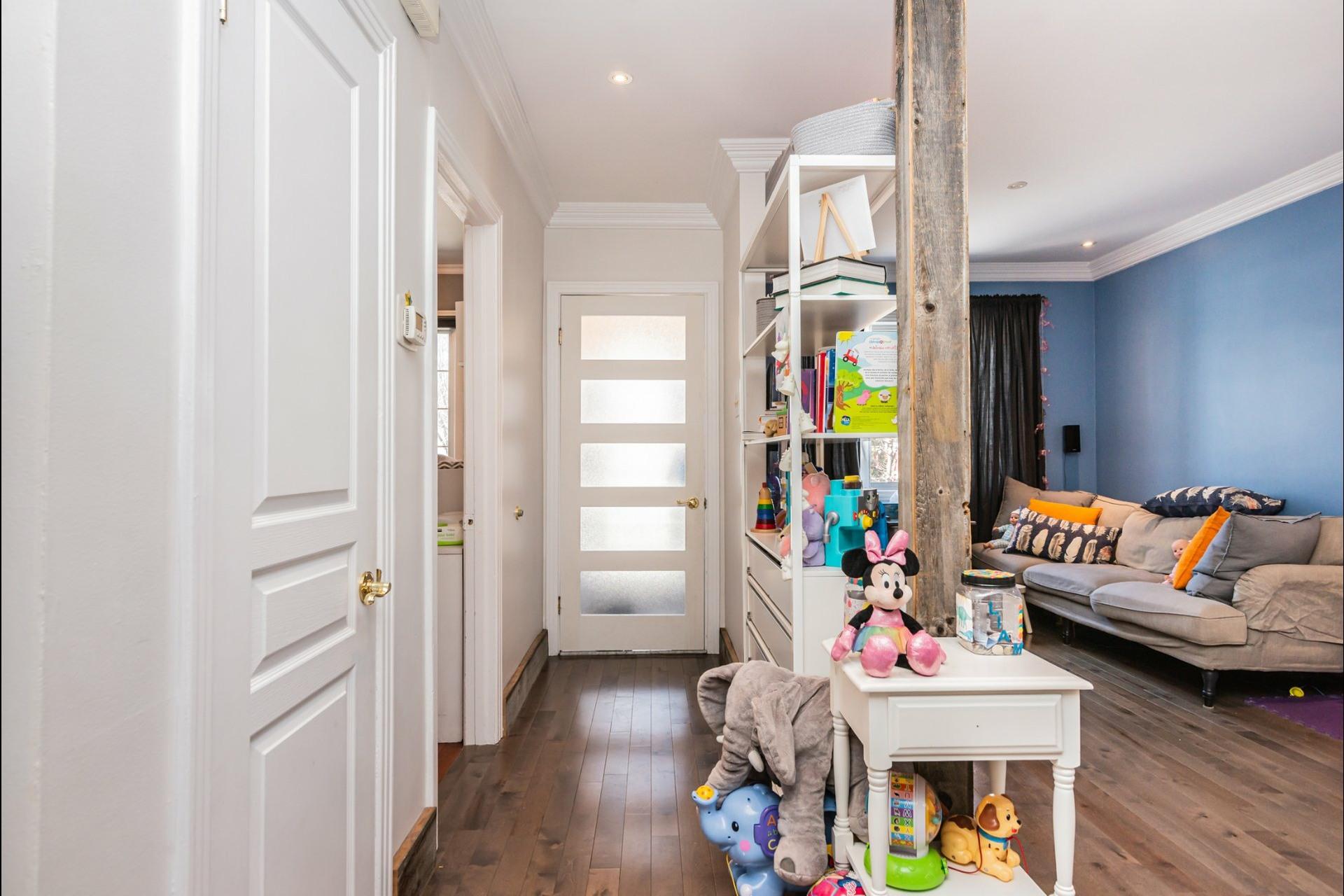 image 7 - Appartement À louer Le Sud-Ouest Montréal  - 7 pièces