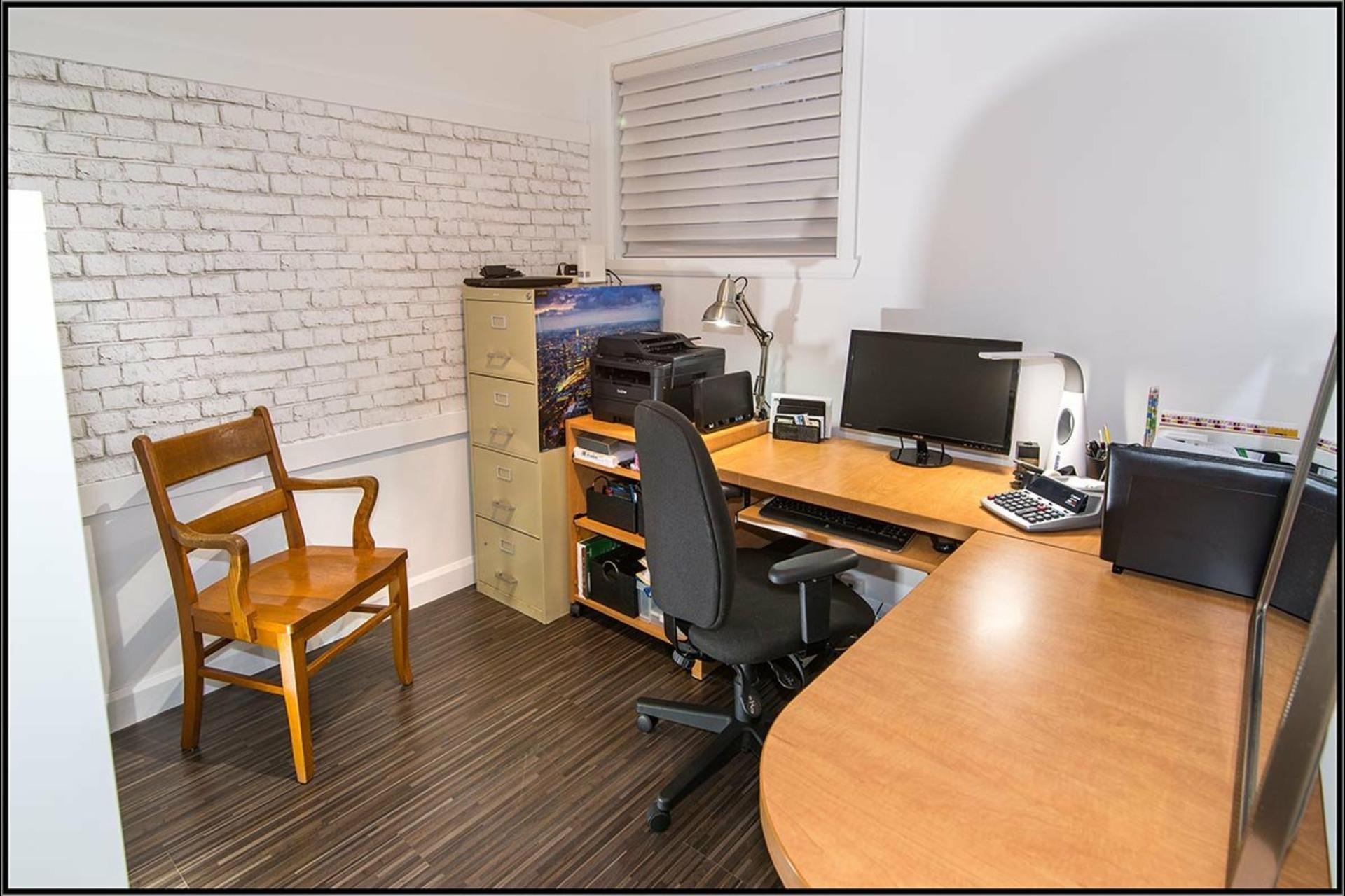 image 12 - Maison À vendre La Haute-Saint-Charles Québec  - 9 pièces