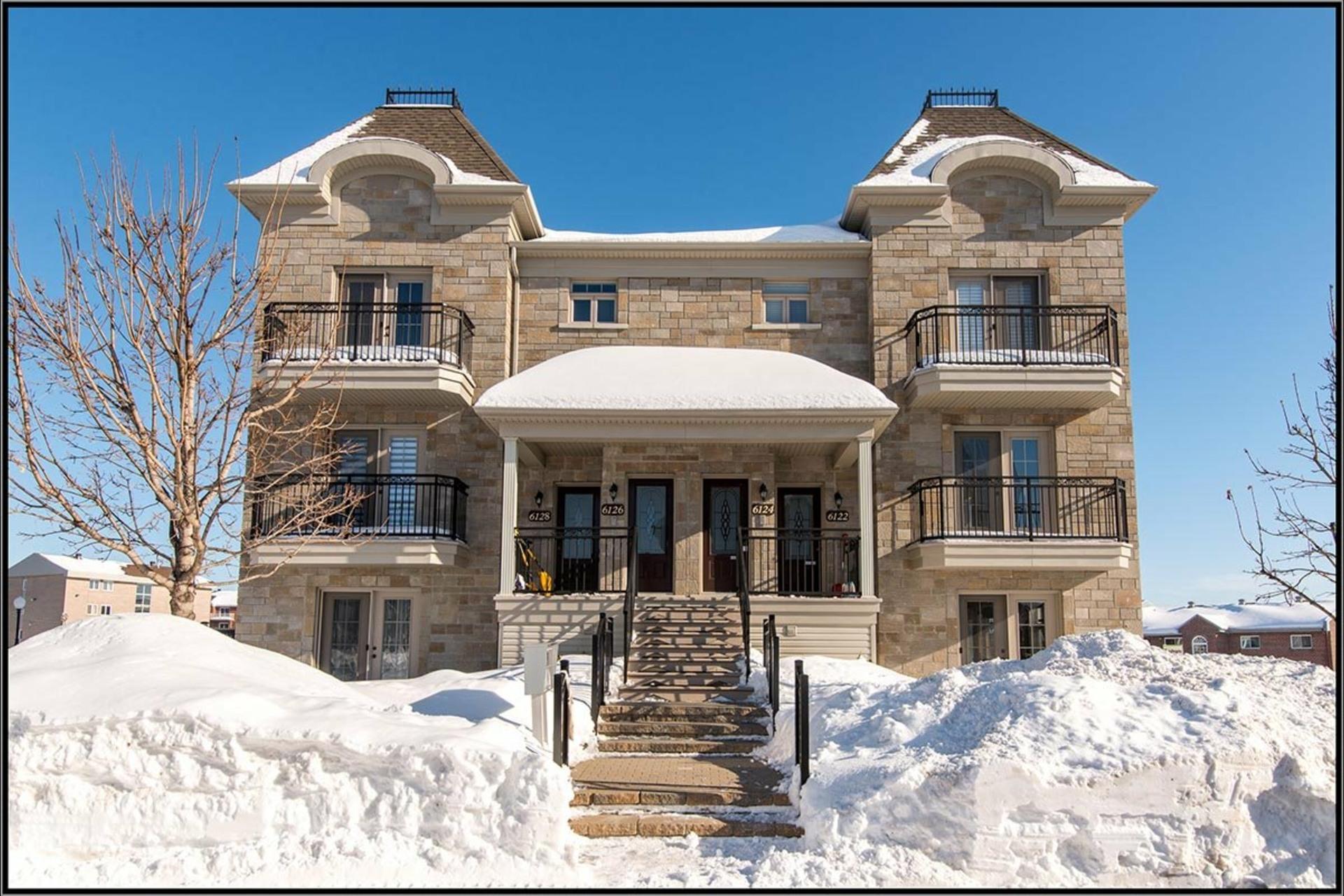 image 0 - Appartement À vendre Les Rivières Québec  - 8 pièces