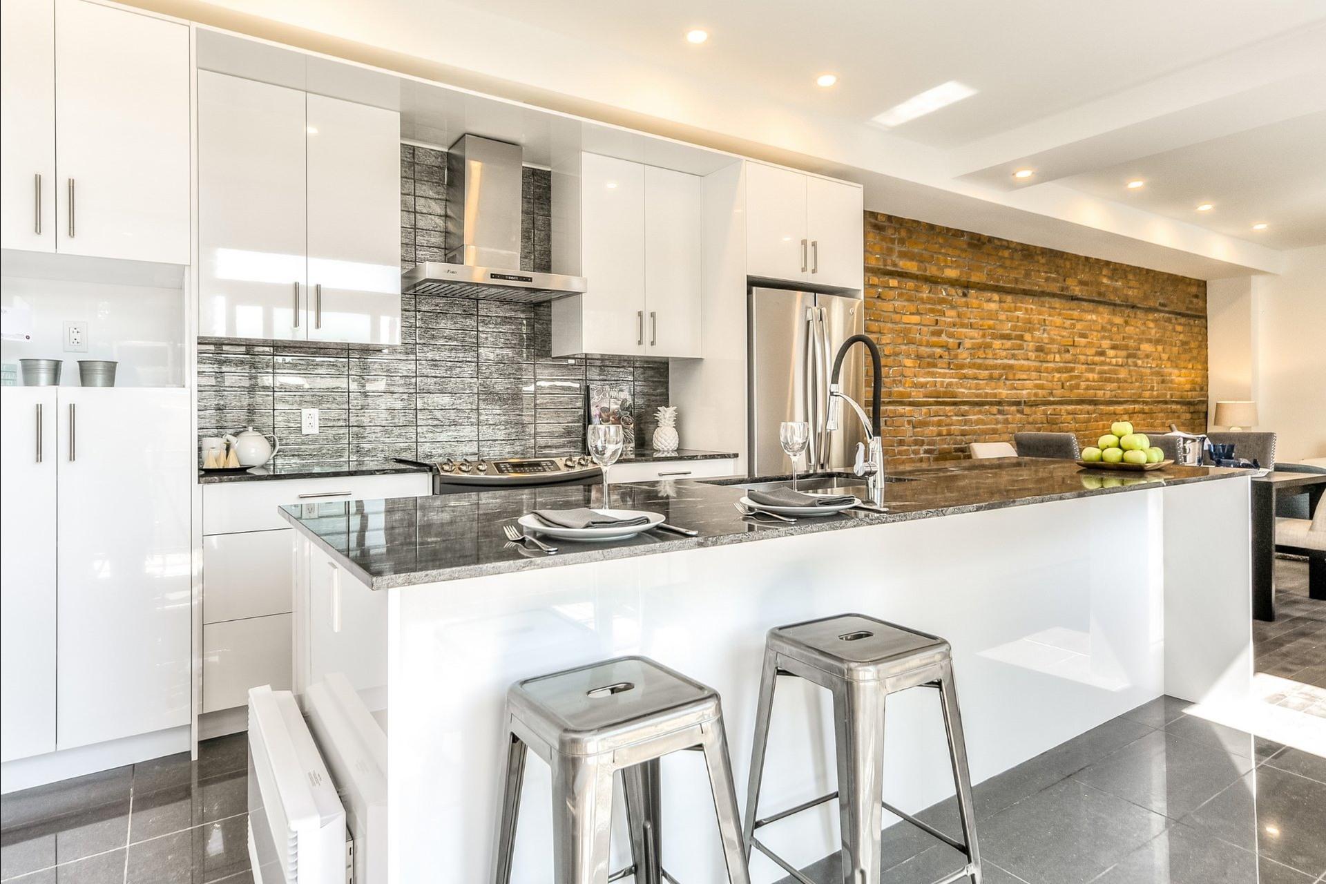 image 3 - Apartment For rent Le Plateau-Mont-Royal Montréal  - 6 rooms
