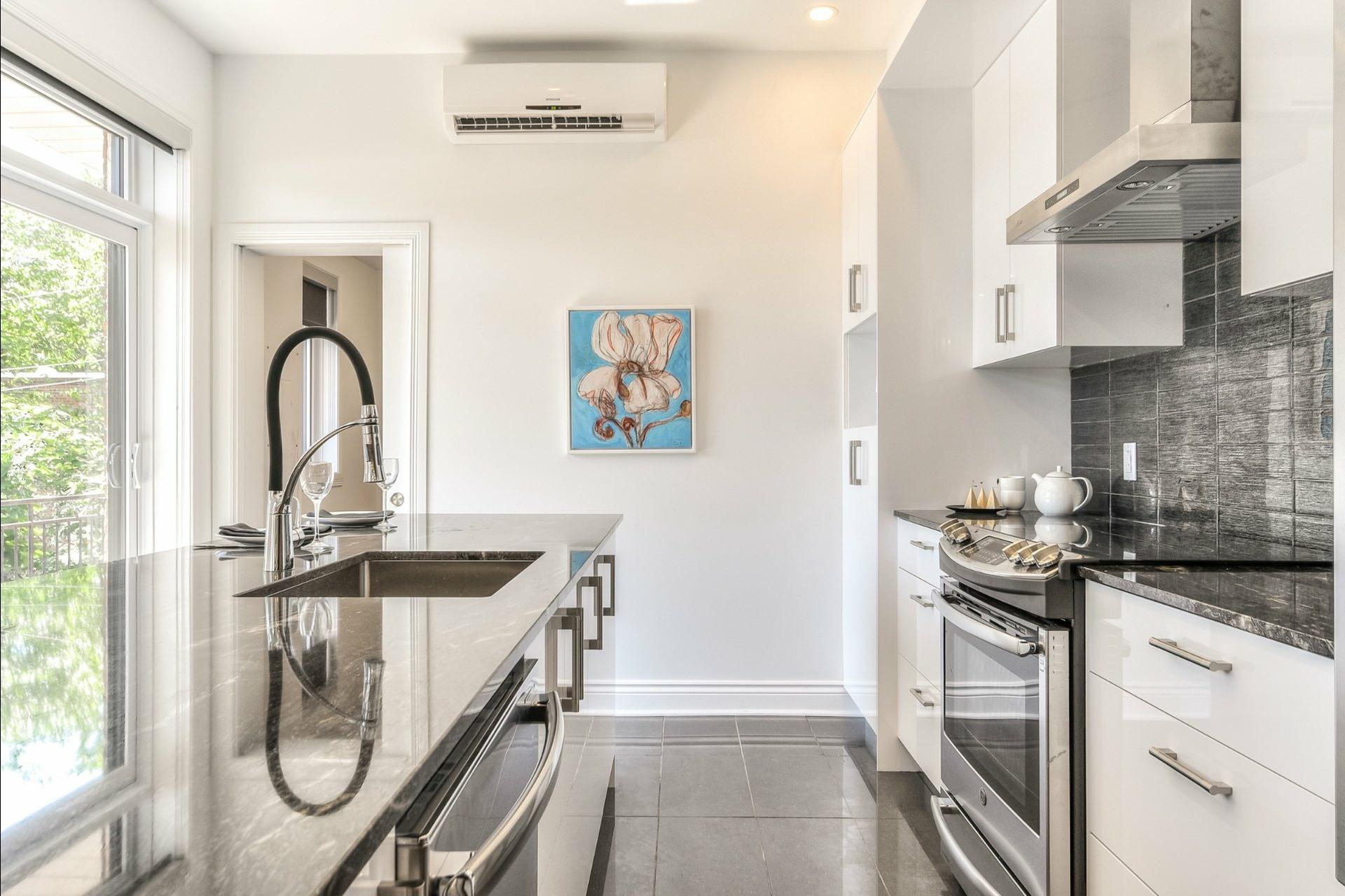 image 12 - Apartment For rent Le Plateau-Mont-Royal Montréal  - 6 rooms