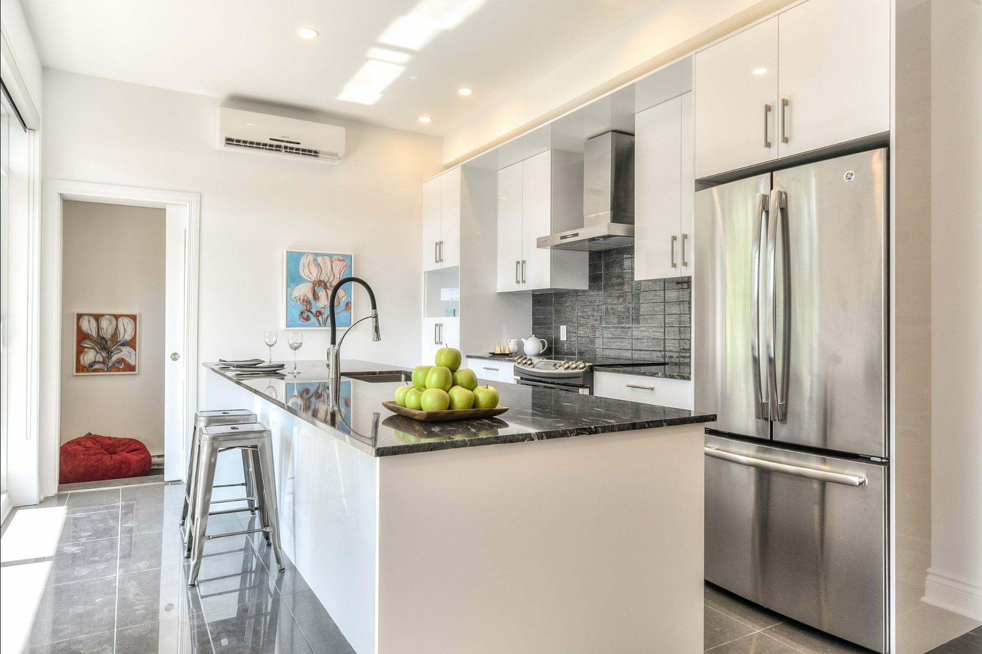 image 5 - Apartment For rent Le Plateau-Mont-Royal Montréal  - 6 rooms