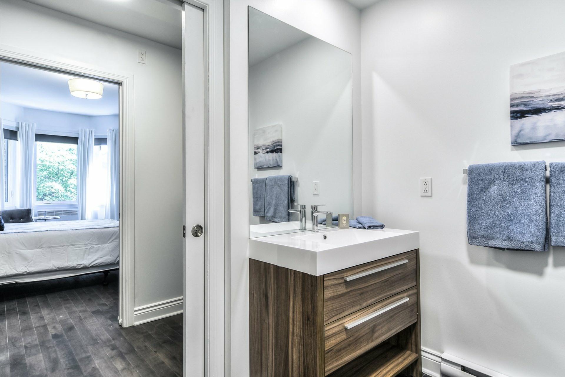 image 19 - Apartment For rent Le Plateau-Mont-Royal Montréal  - 6 rooms