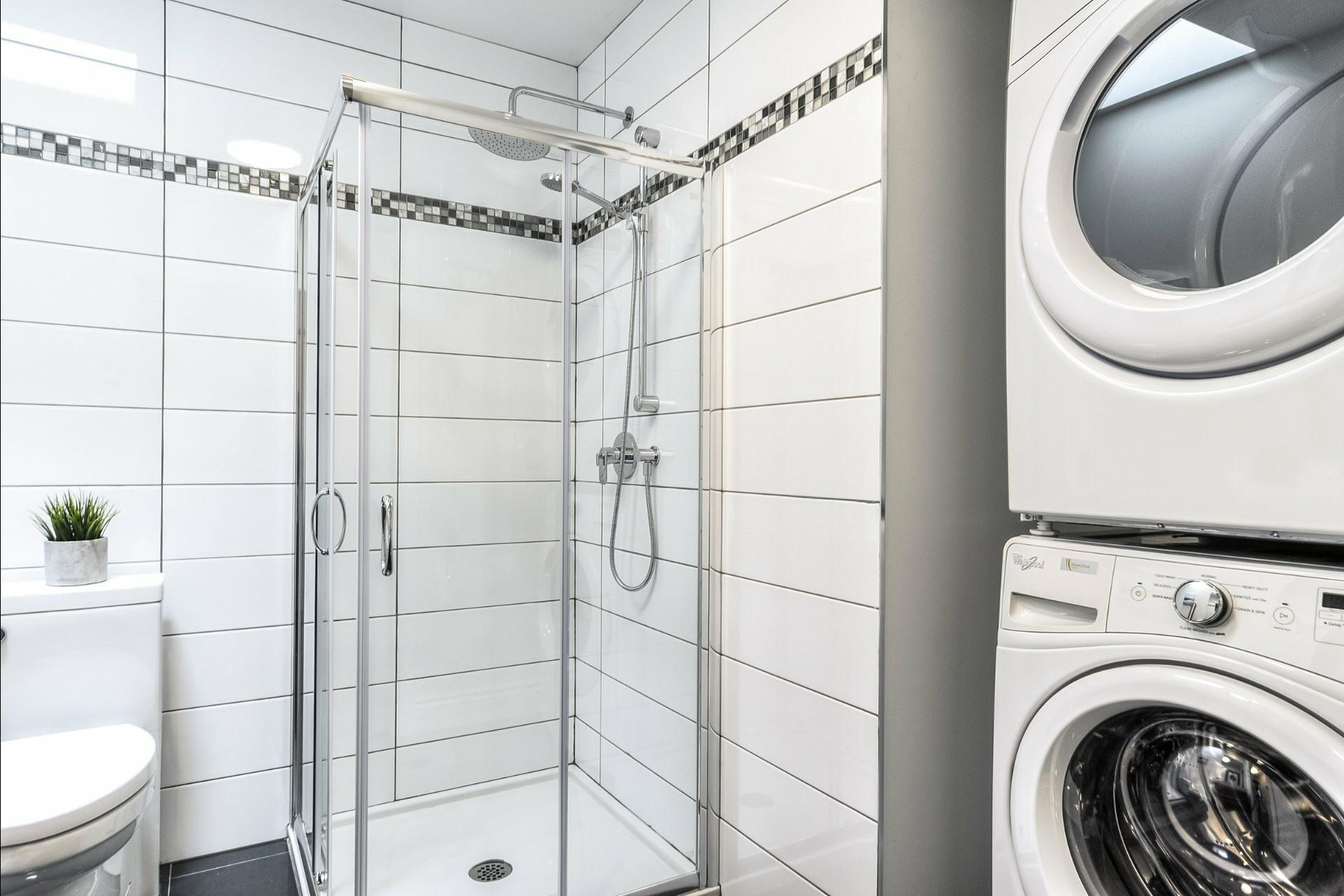 image 25 - Apartment For rent Le Plateau-Mont-Royal Montréal  - 6 rooms