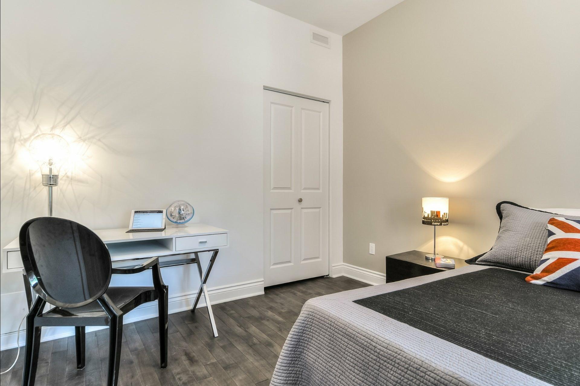 image 21 - Apartment For rent Le Plateau-Mont-Royal Montréal  - 6 rooms