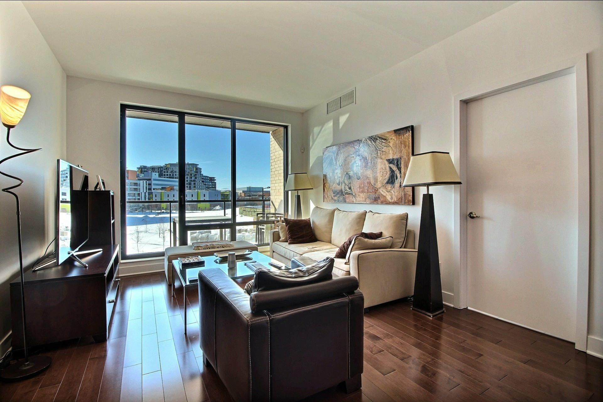 image 12 - Appartement À louer Côte-des-Neiges/Notre-Dame-de-Grâce Montréal  - 4 pièces