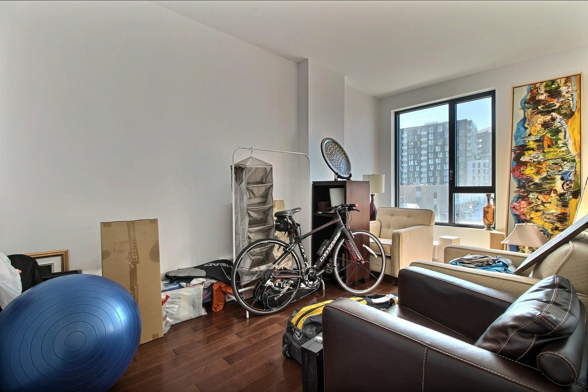 image 21 - Appartement À louer Côte-des-Neiges/Notre-Dame-de-Grâce Montréal  - 4 pièces