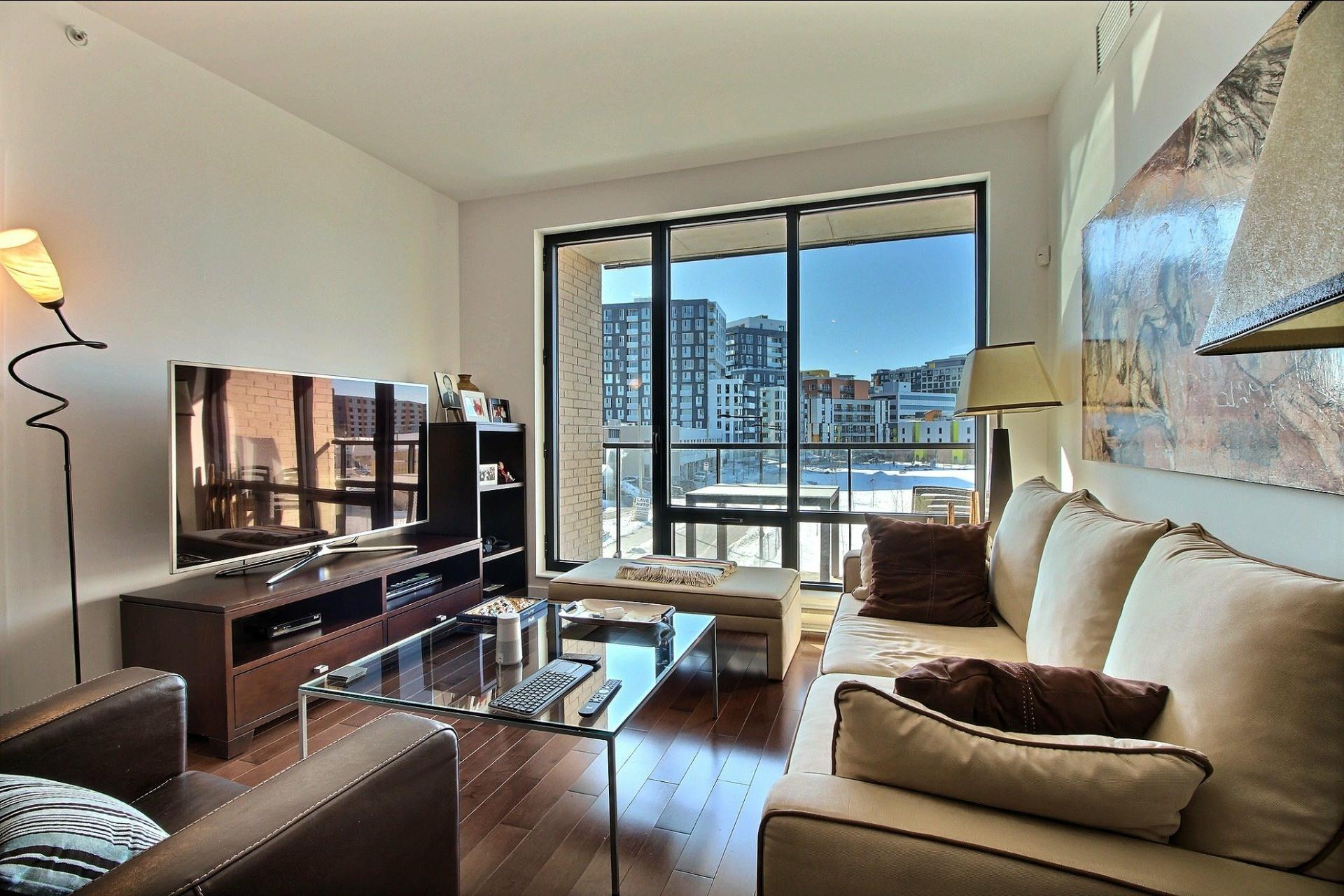 image 13 - Appartement À louer Côte-des-Neiges/Notre-Dame-de-Grâce Montréal  - 4 pièces