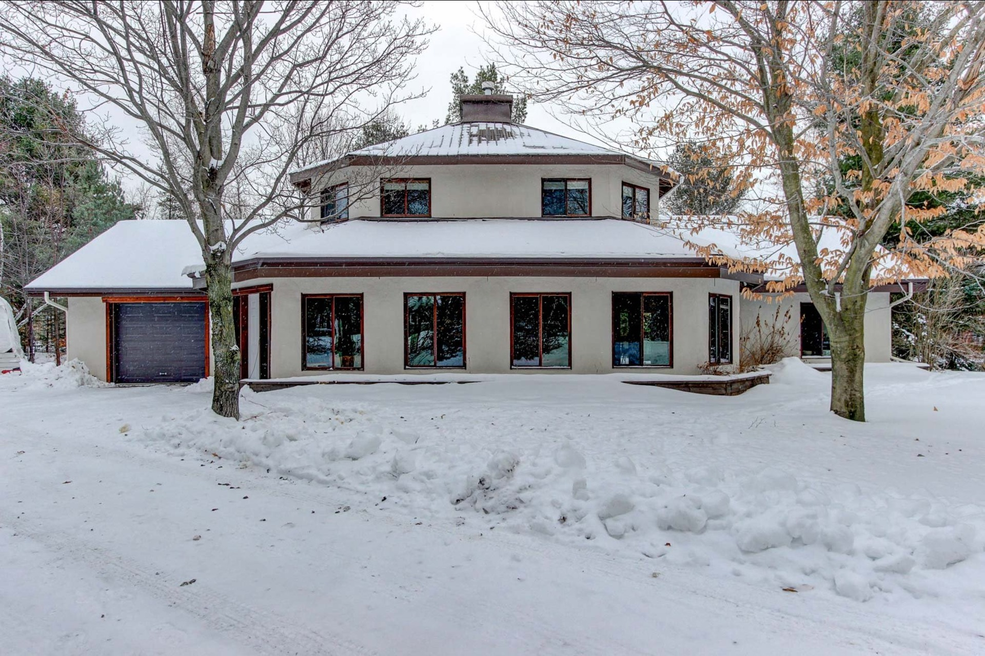 image 0 - House For sale Notre-Dame-du-Mont-Carmel - 10 rooms