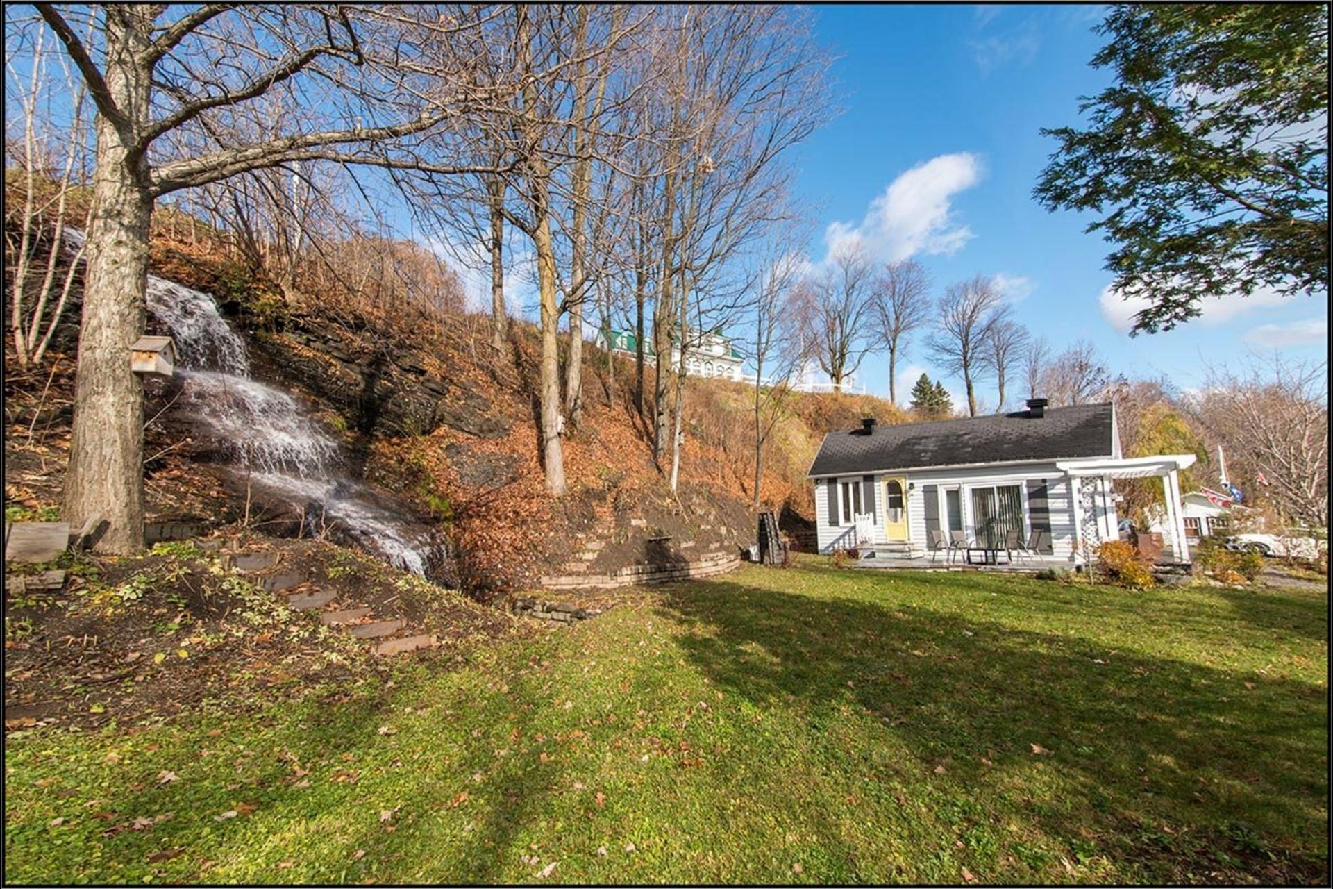 image 0 - House For sale Saint-Jean-de-l'Île-d'Orléans - 12 rooms