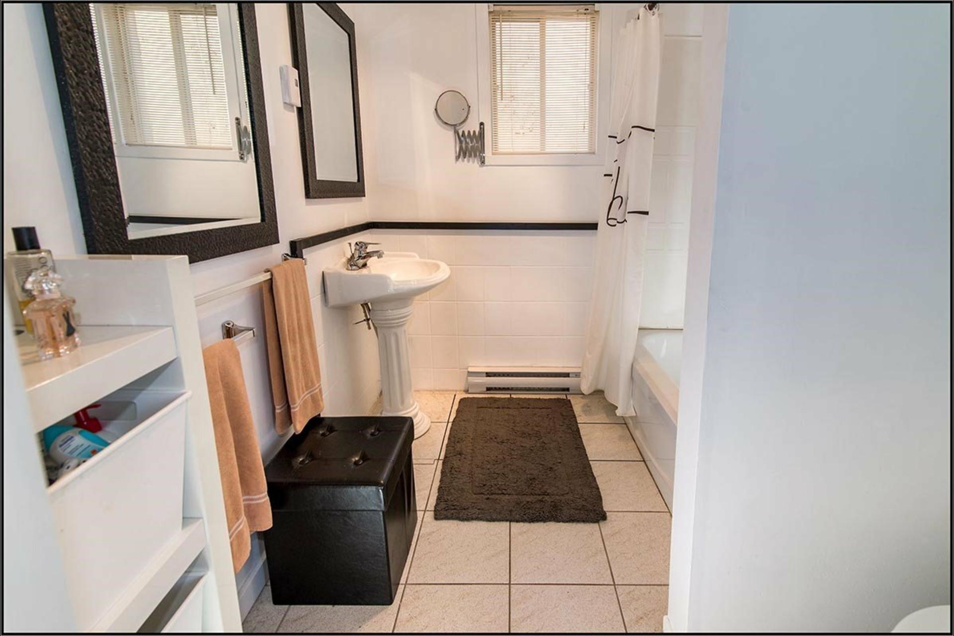image 10 - House For sale Saint-Jean-de-l'Île-d'Orléans - 12 rooms