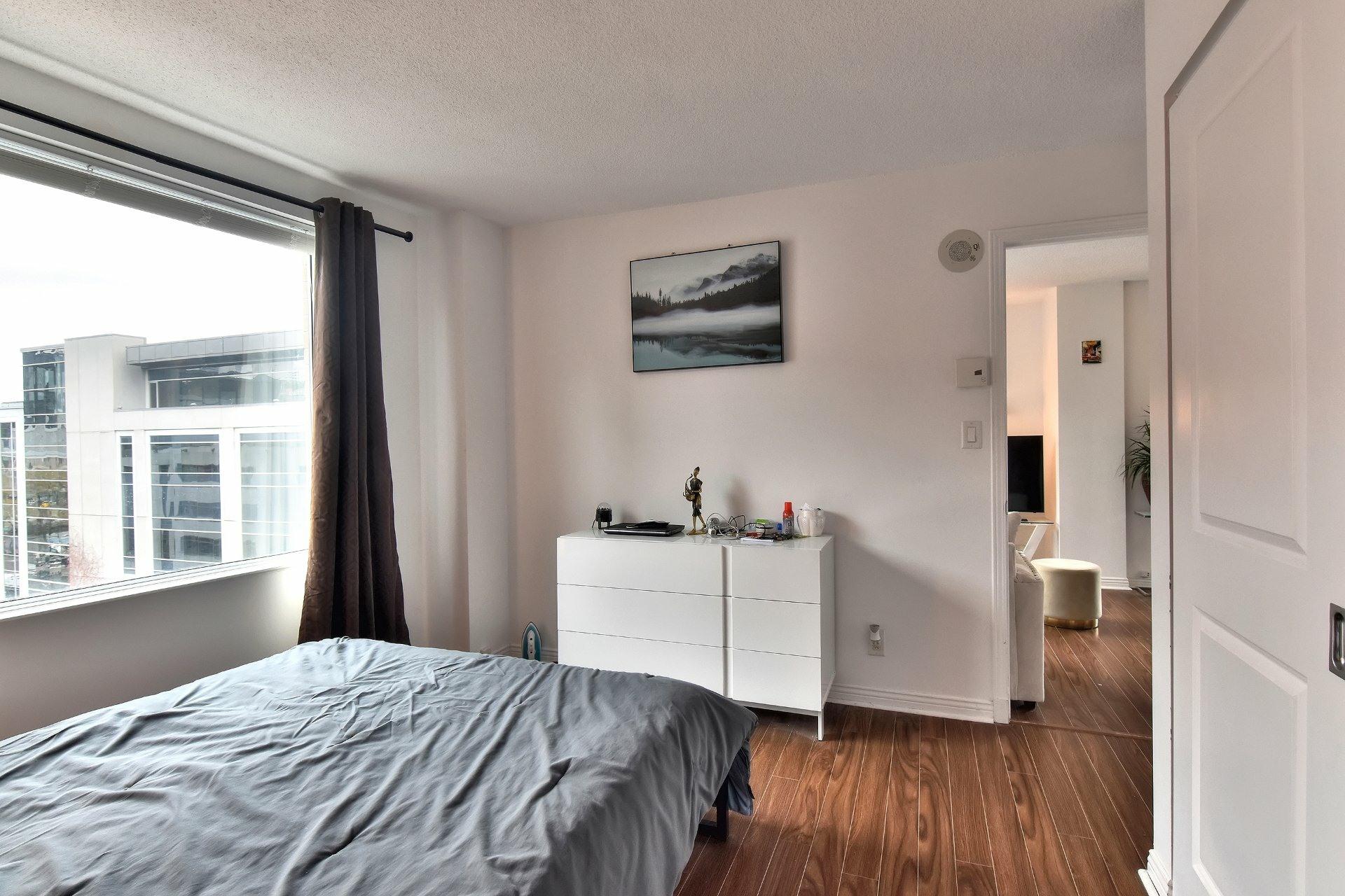 image 12 - Appartement À louer Ville-Marie Montréal  - 6 pièces