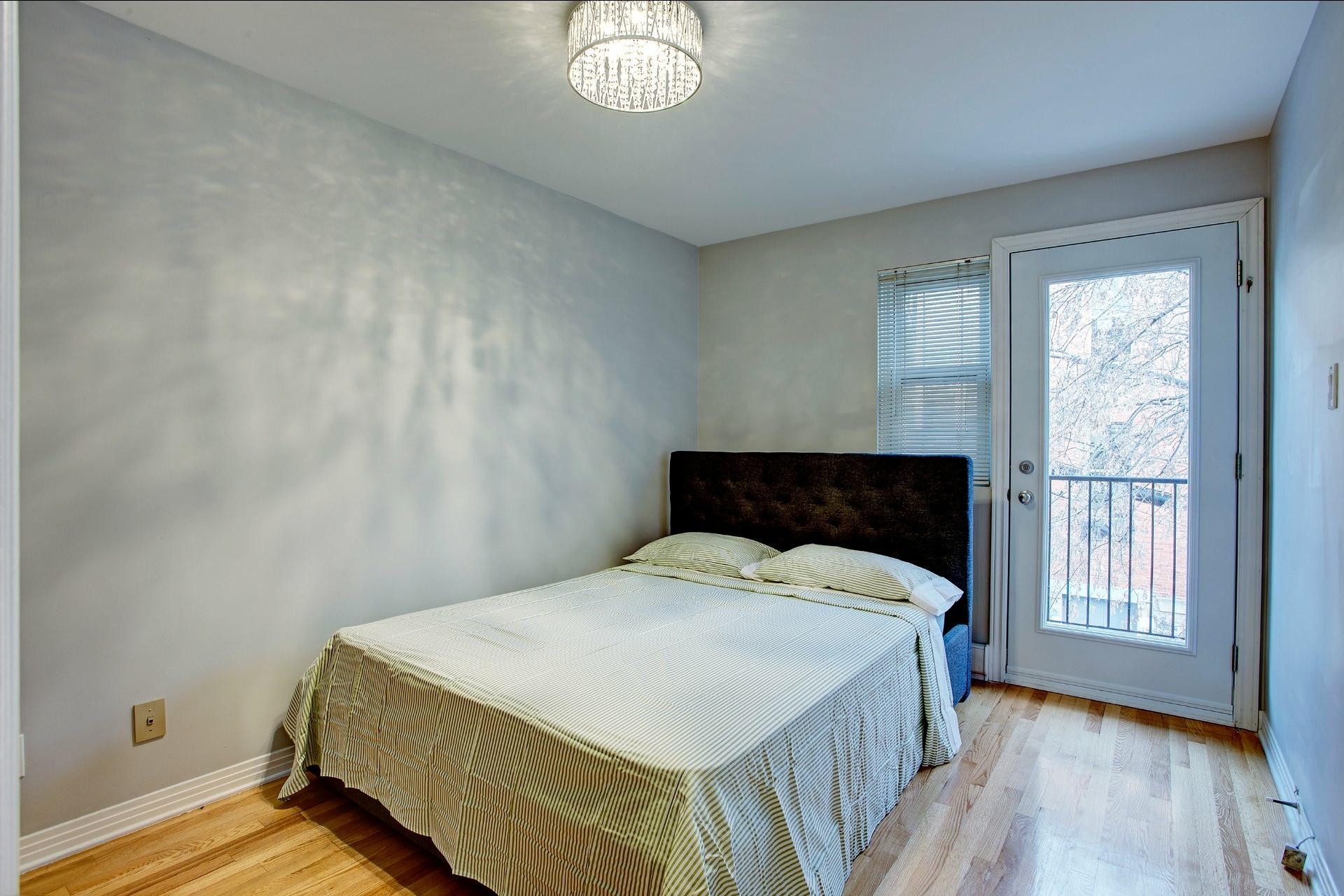 image 16 - Appartement À louer Ville-Marie Montréal  - 5 pièces