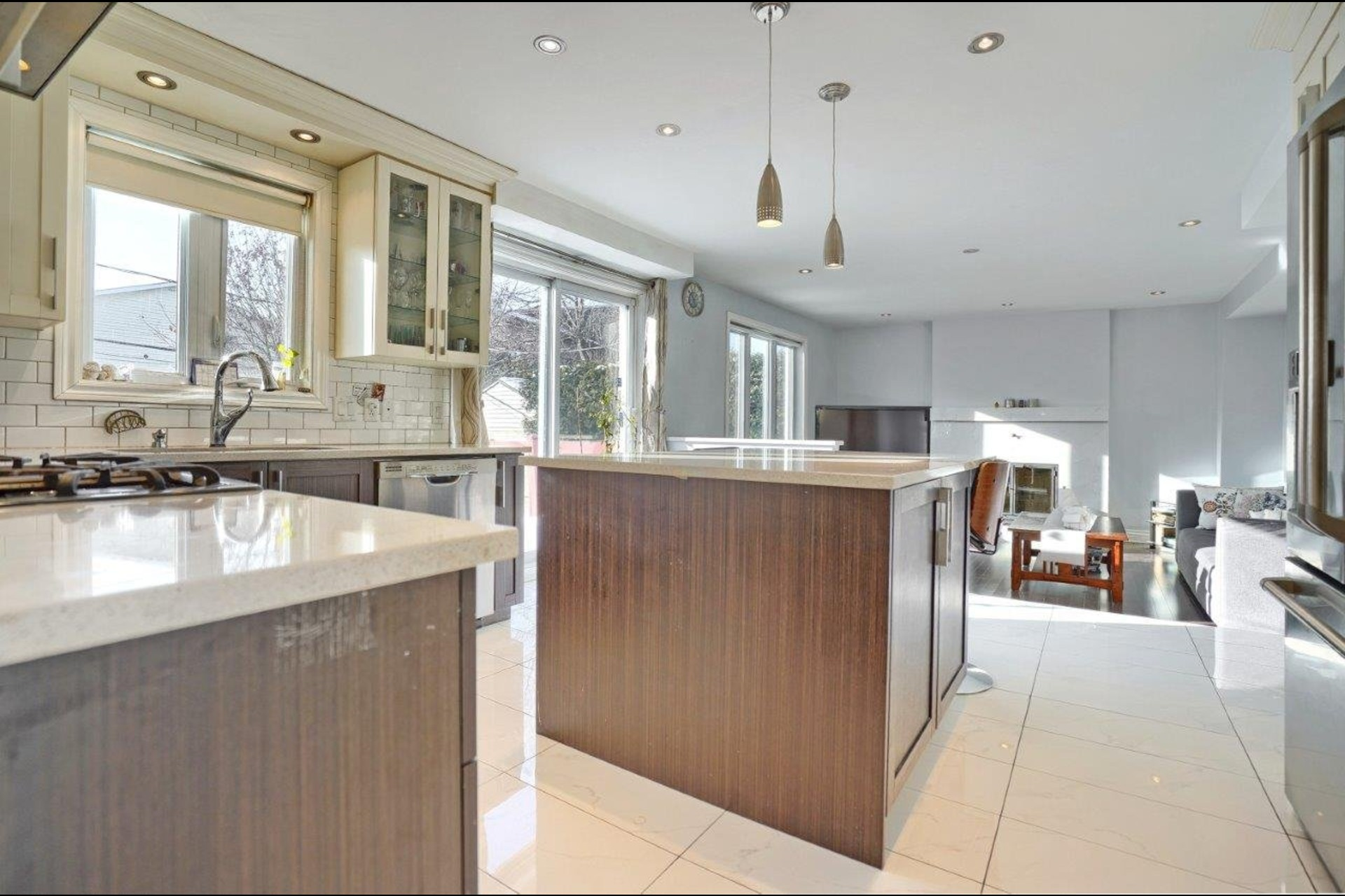 image 5 - House For sale Brossard - 14 rooms