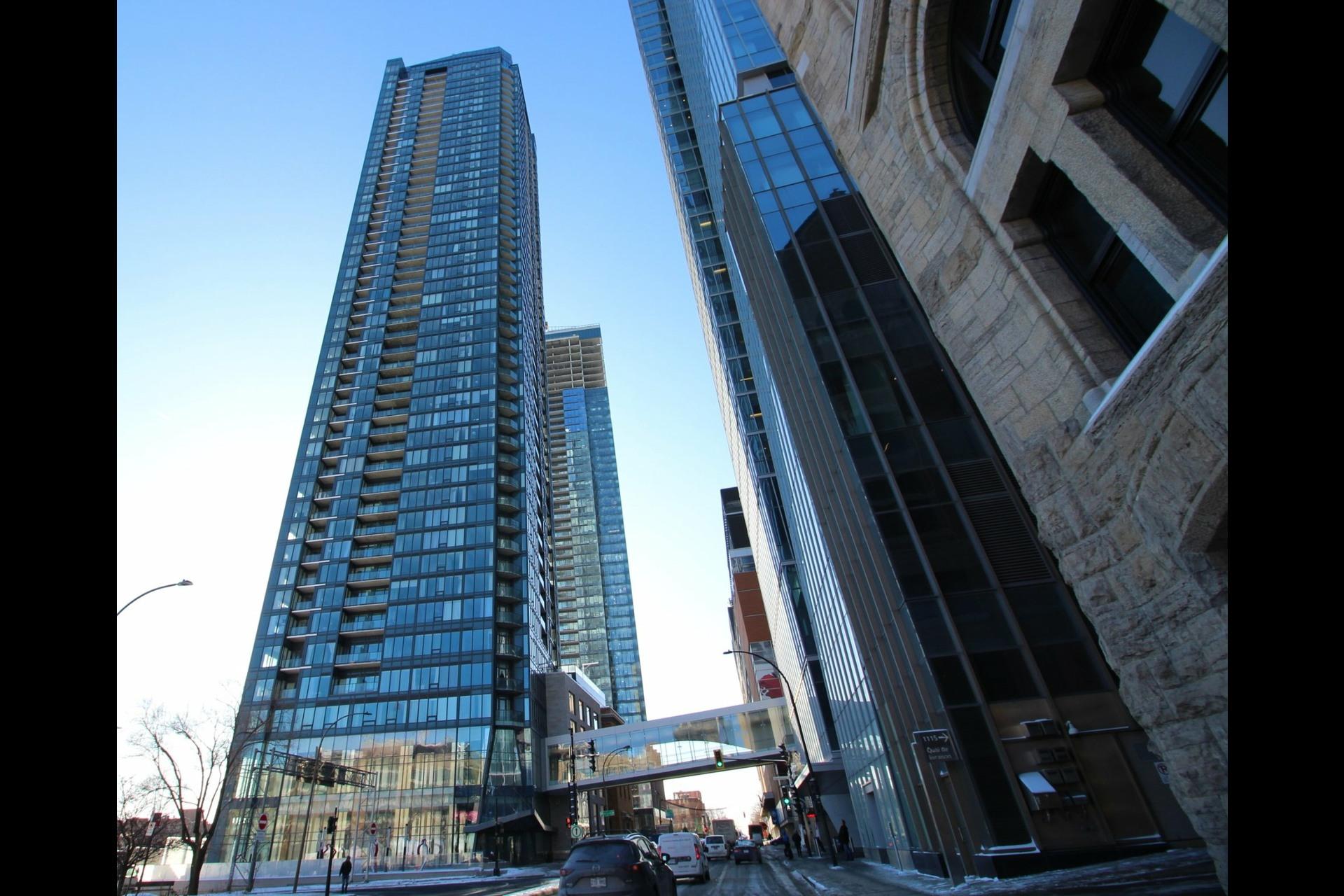 image 0 - Appartement À louer Ville-Marie Montréal  - 7 pièces