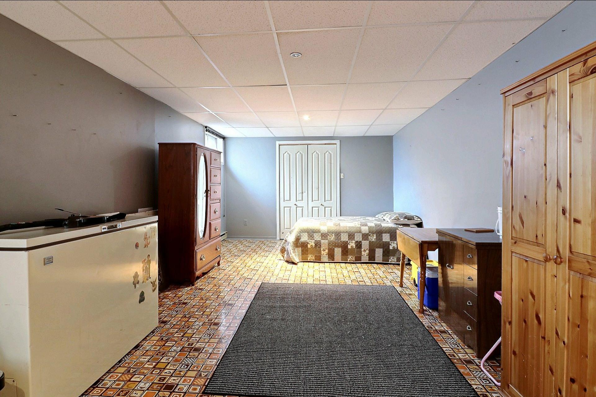 image 18 - Maison À vendre Duvernay Laval  - 12 pièces