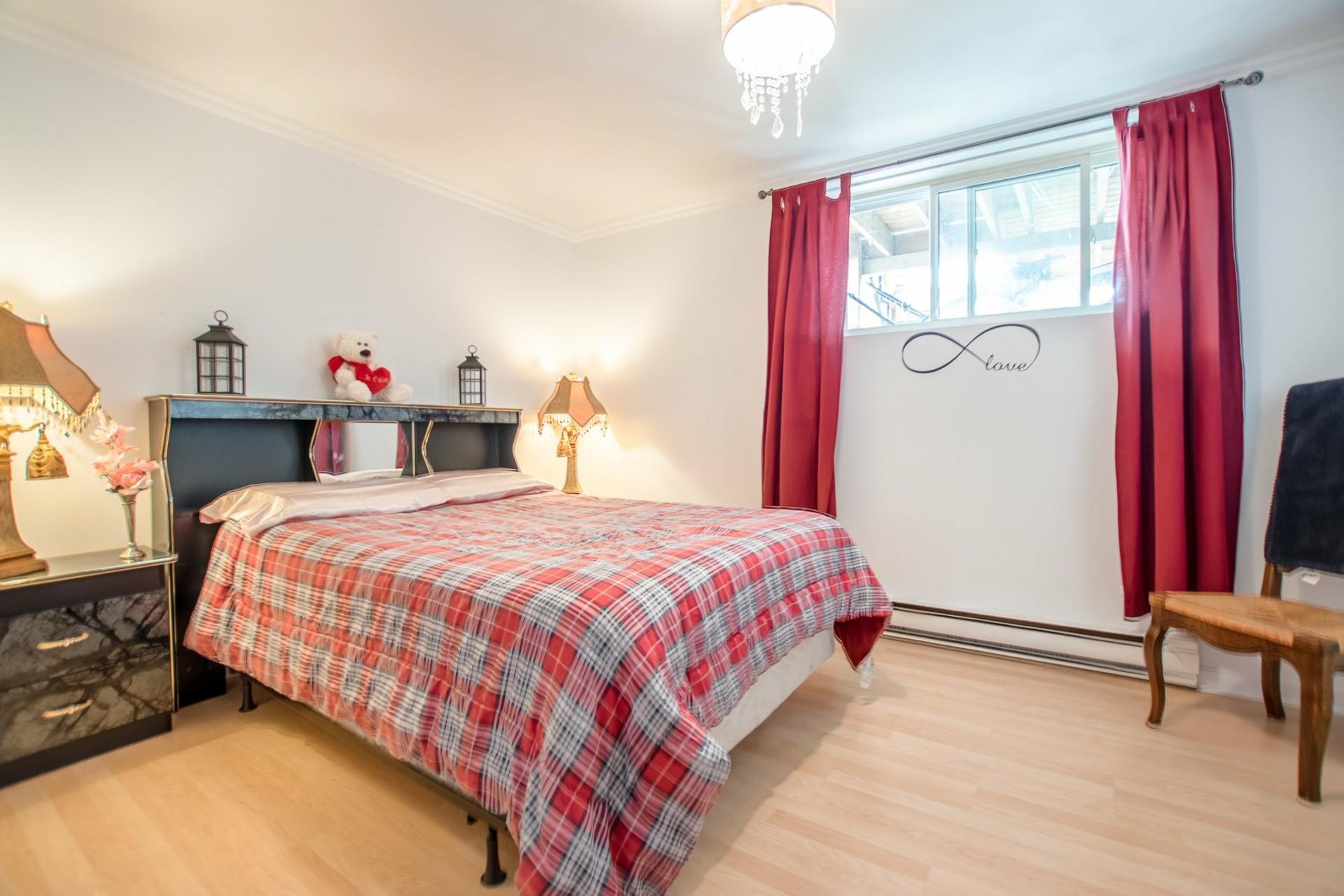 image 33 - Duplex À vendre Sainte-Catherine - 9 pièces