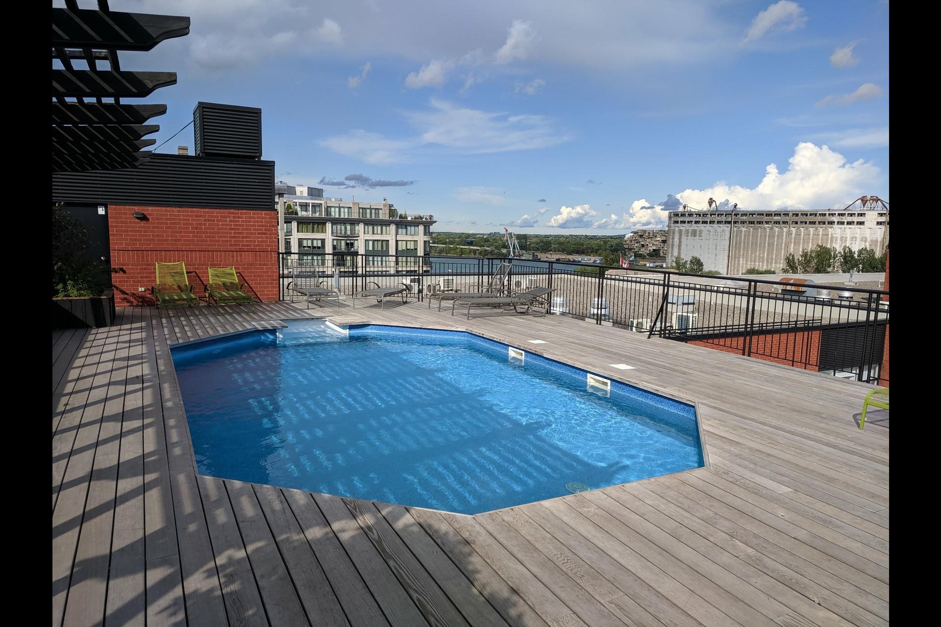 image 19 - Appartement À louer Ville-Marie Montréal  - 4 pièces