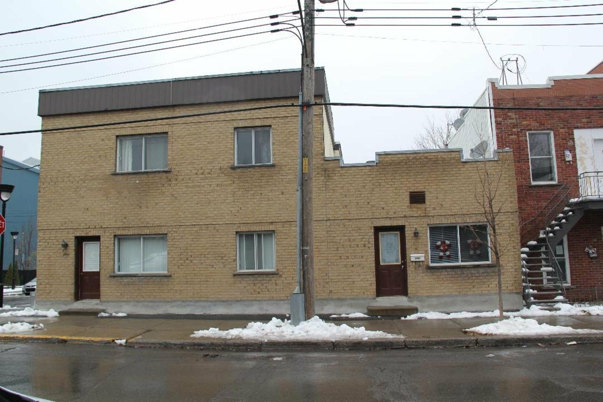 image 1 - Quintuplex À vendre Le Sud-Ouest Montréal  - 4 pièces