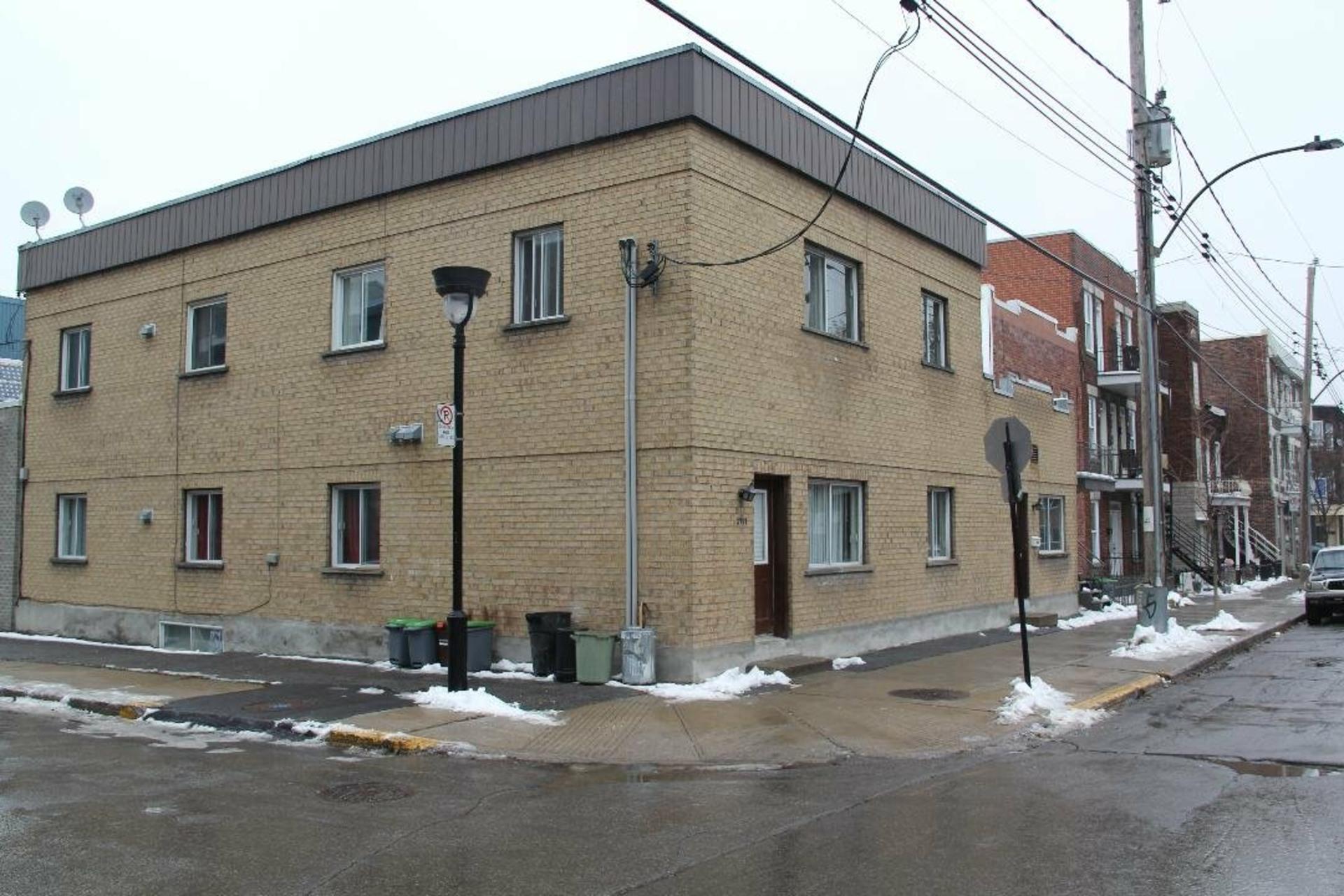image 0 - Quintuplex À vendre Le Sud-Ouest Montréal  - 4 pièces