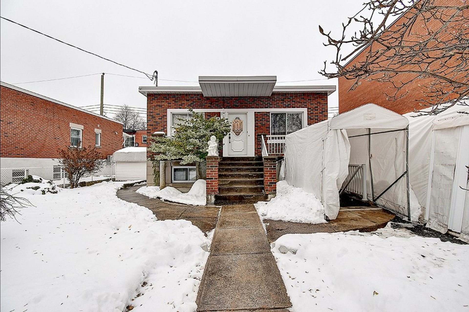 image 0 - Maison À vendre Le Sud-Ouest Montréal  - 12 pièces