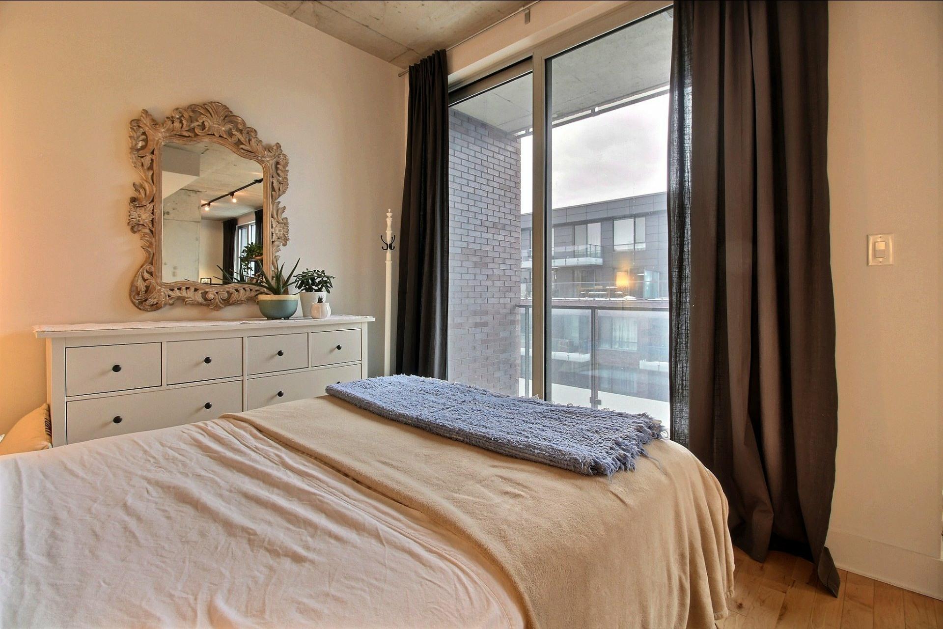 image 12 - Appartement À louer Le Sud-Ouest Montréal  - 6 pièces