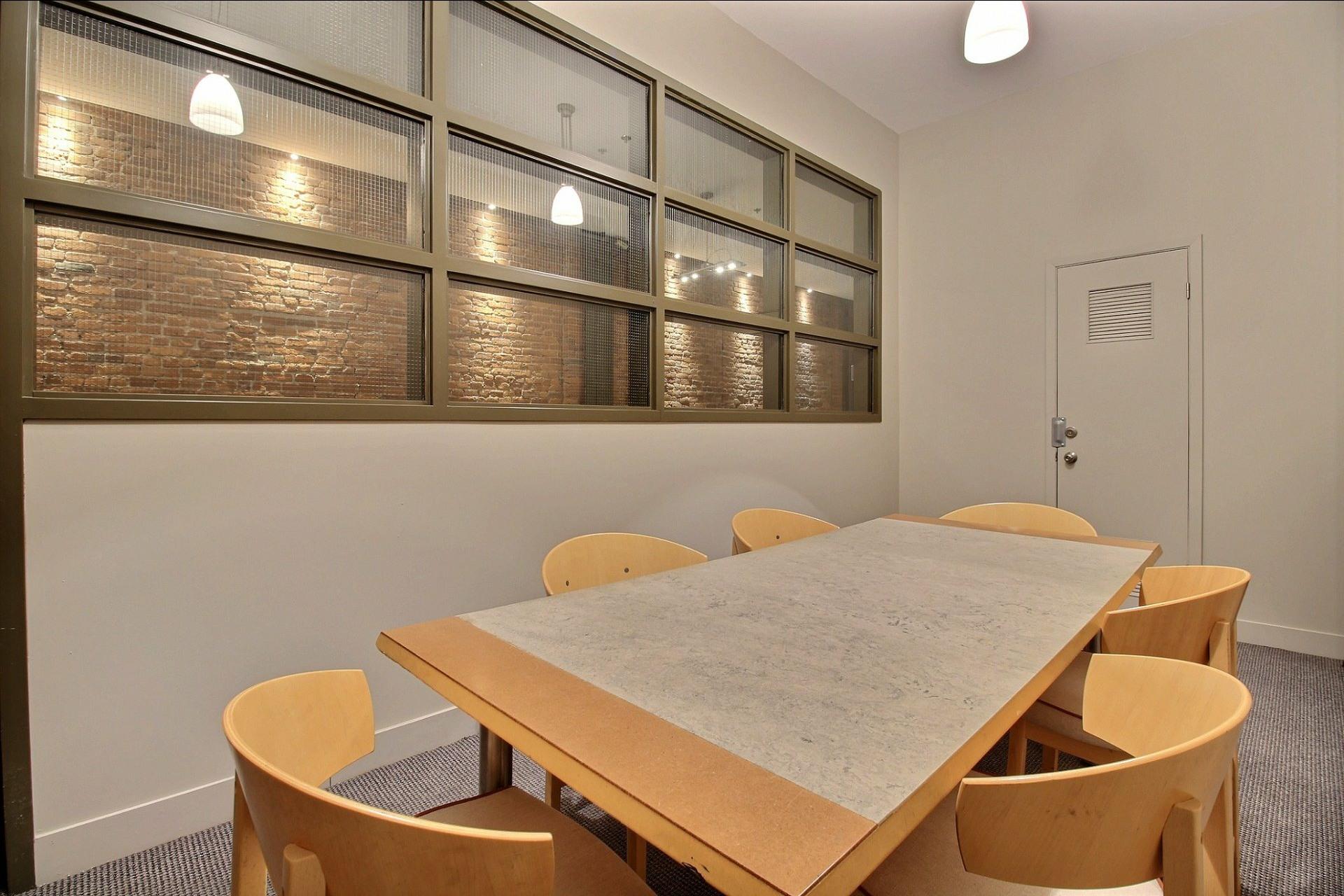 image 14 - Appartement À louer Ville-Marie Montréal  - 4 pièces
