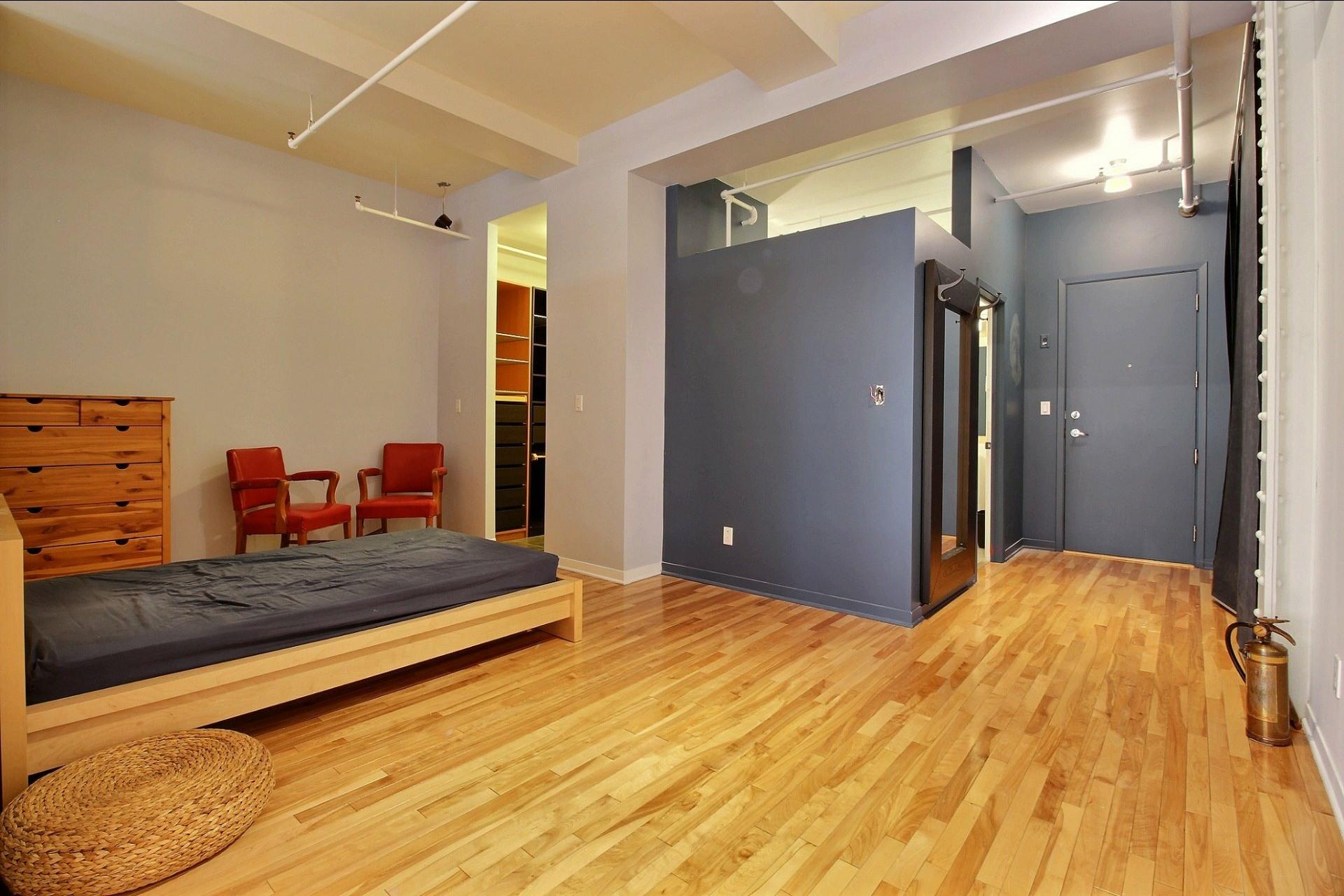 image 10 - Appartement À louer Ville-Marie Montréal  - 4 pièces