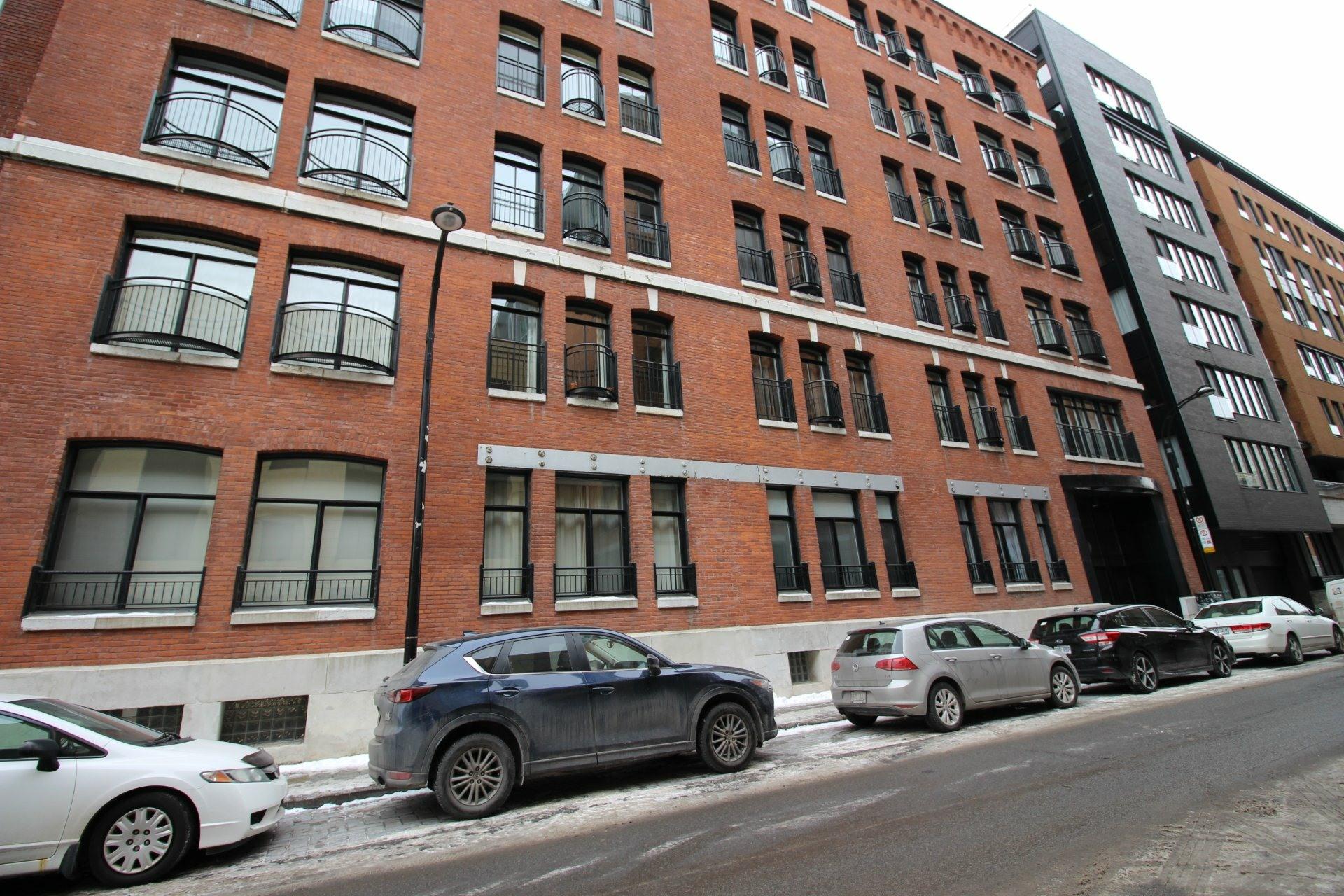image 16 - Appartement À louer Ville-Marie Montréal  - 4 pièces