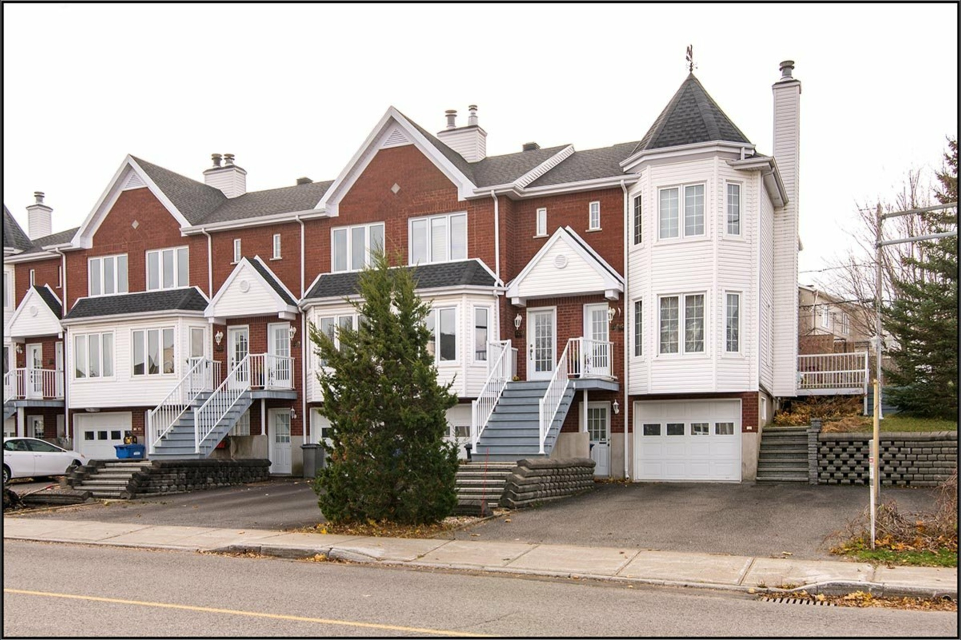 image 0 - House For sale Sainte-Foy/Sillery/Cap-Rouge Québec  - 11 rooms
