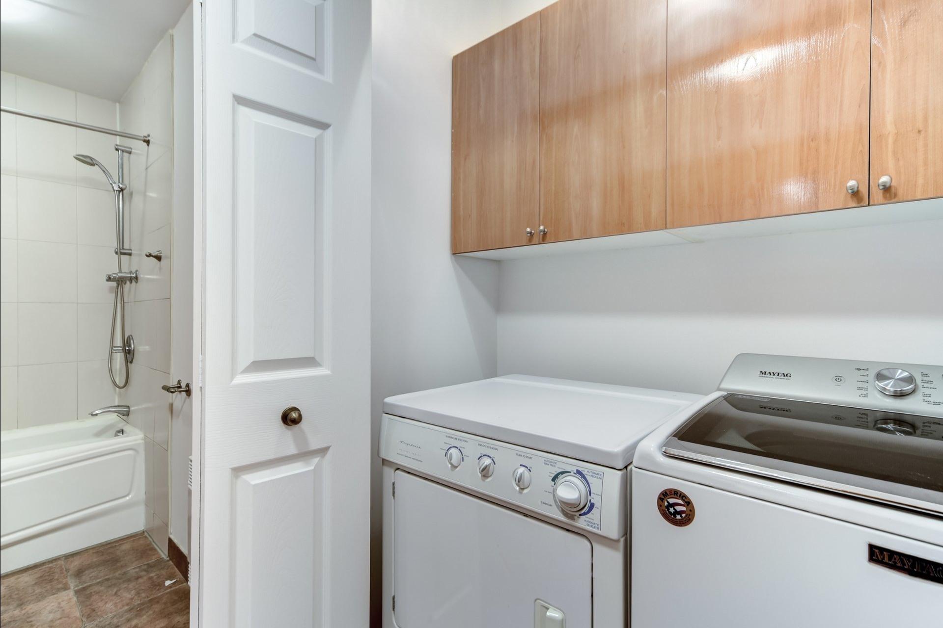 image 8 - Departamento Para alquiler Le Plateau-Mont-Royal Montréal  - 5 habitaciones