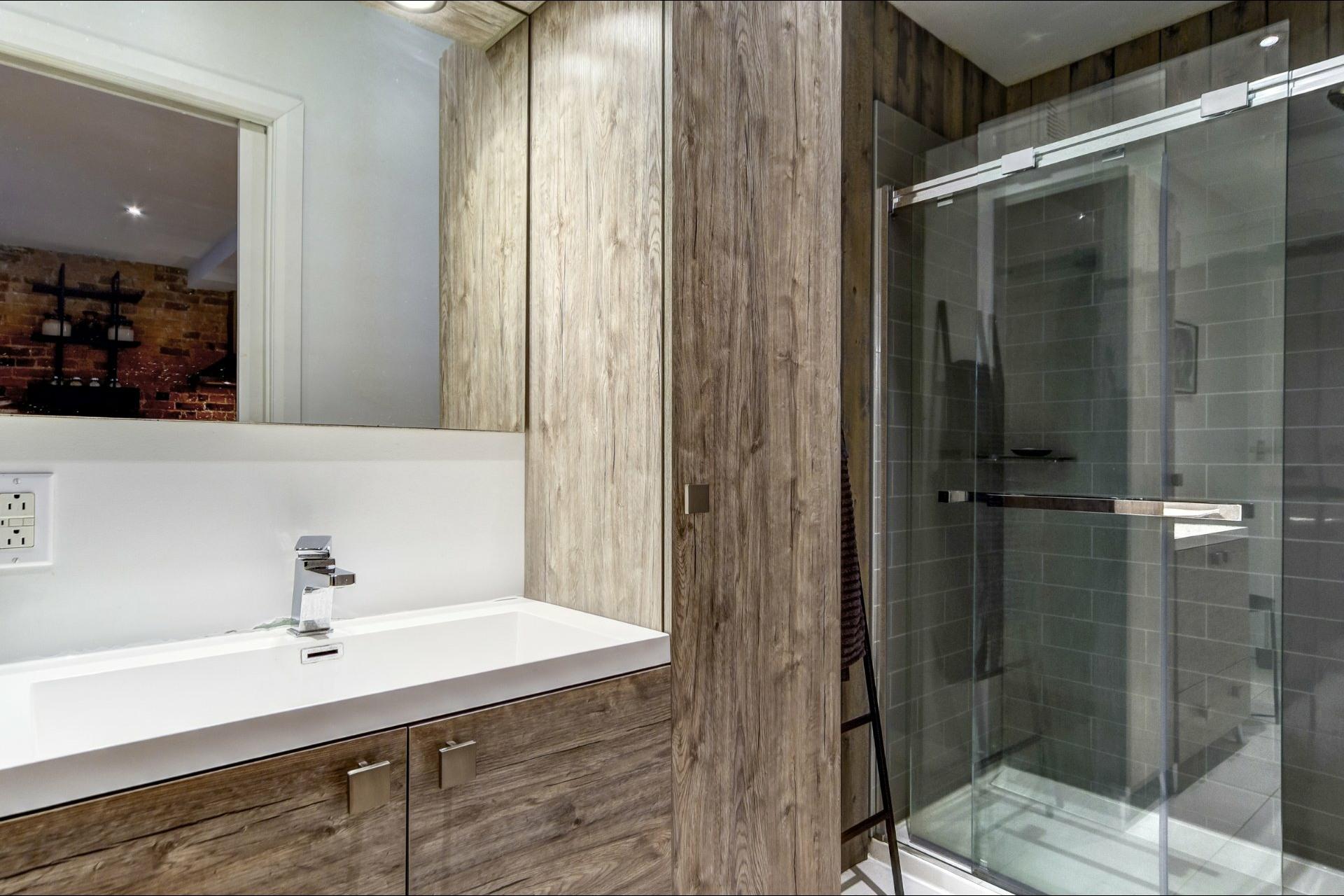 image 15 - Appartamento In Affitto Le Plateau-Mont-Royal Montréal  - 4 stanze