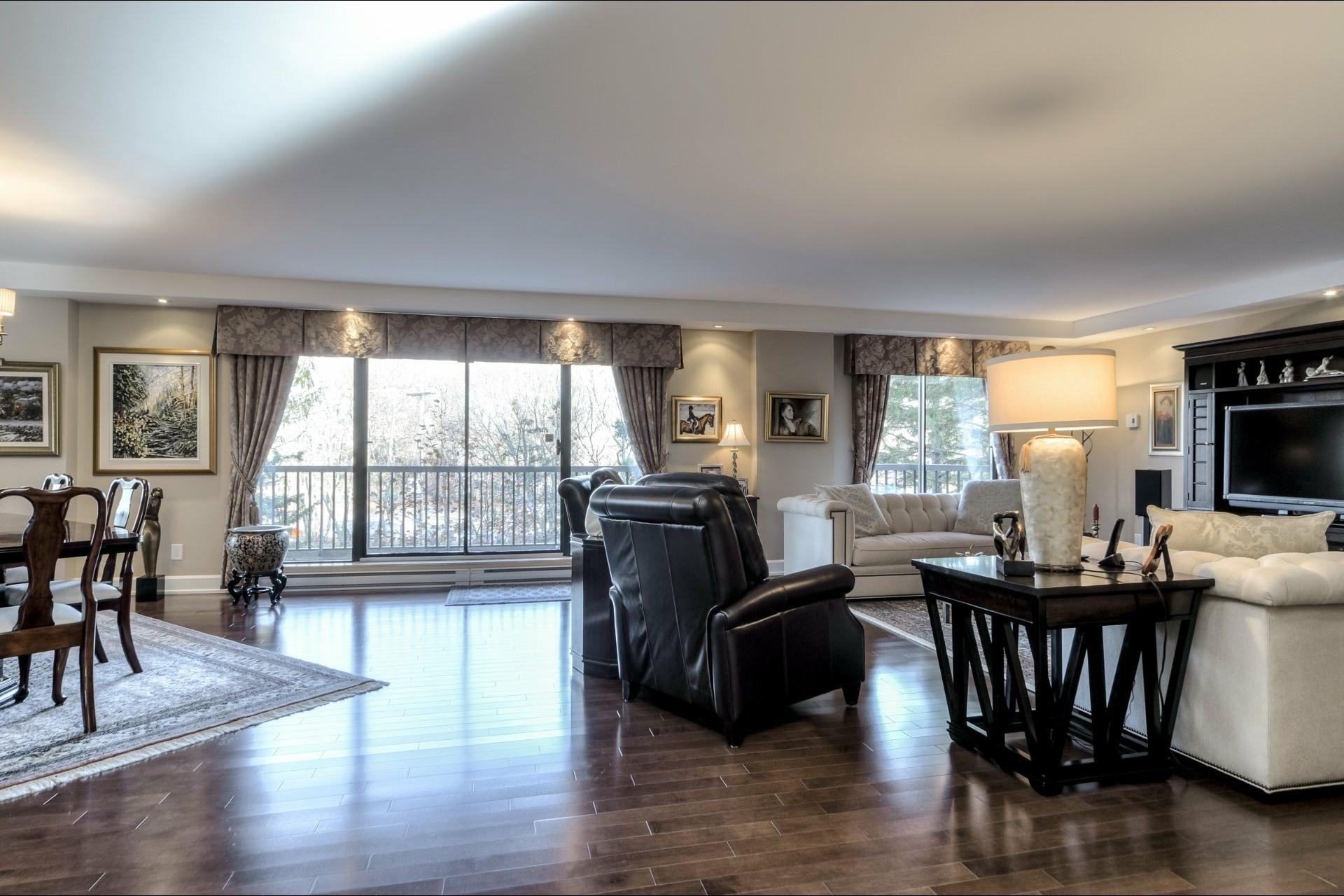 image 2 - 公寓 出售 Côte-des-Neiges/Notre-Dame-de-Grâce Montréal  - 6 室
