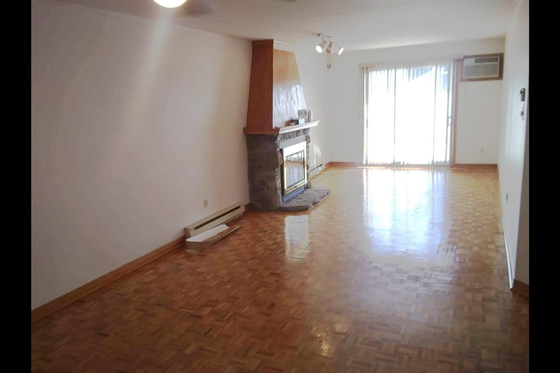 image 5 - Appartement À vendre Le Vieux-Longueuil Longueuil  - 6 pièces
