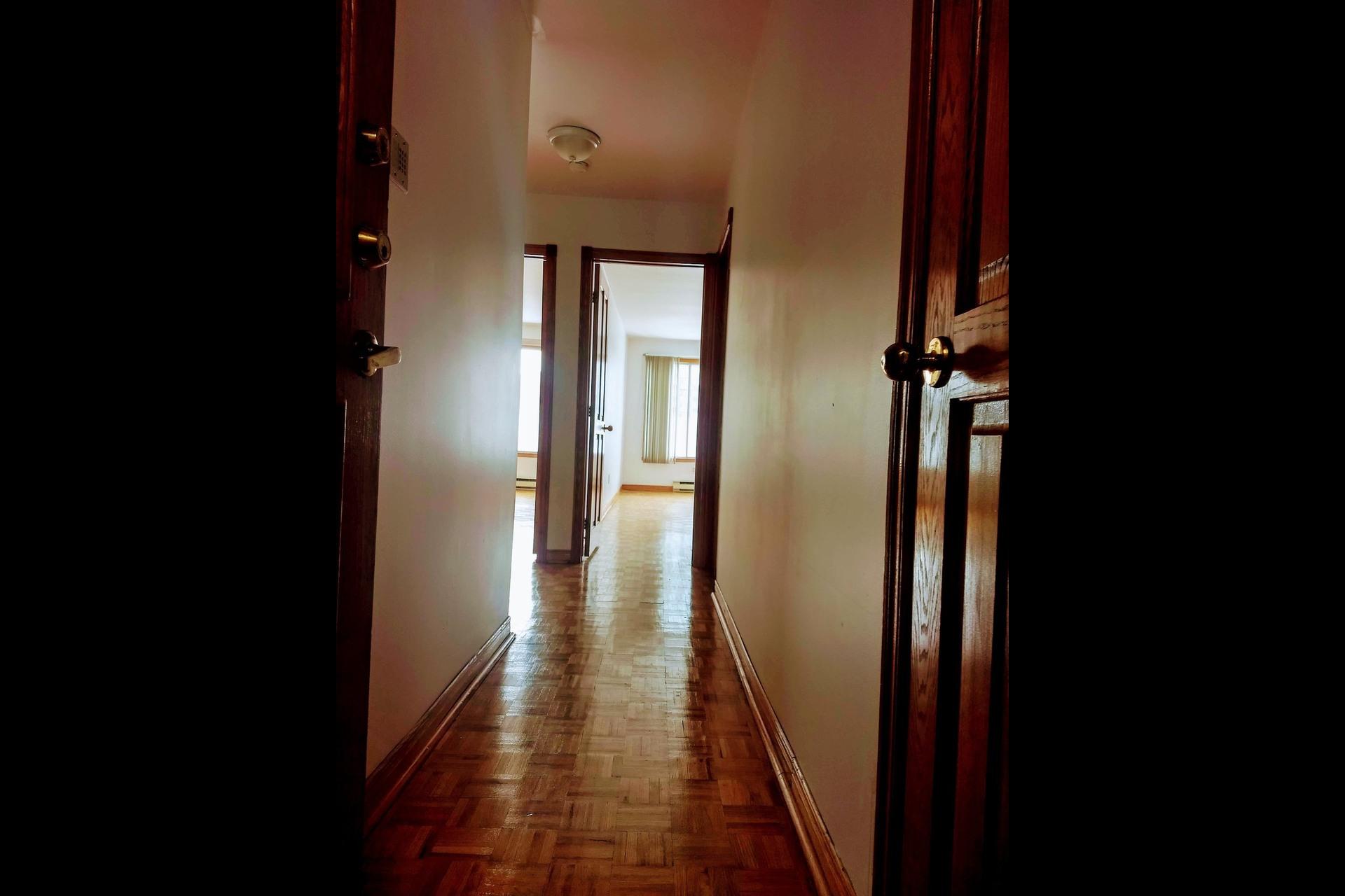 image 1 - Appartement À vendre Le Vieux-Longueuil Longueuil  - 6 pièces