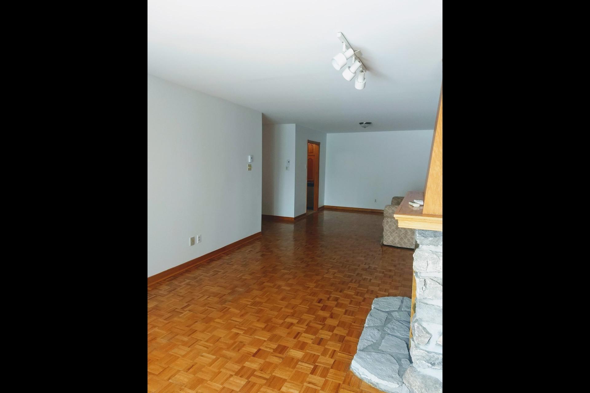 image 6 - Appartement À vendre Le Vieux-Longueuil Longueuil  - 6 pièces