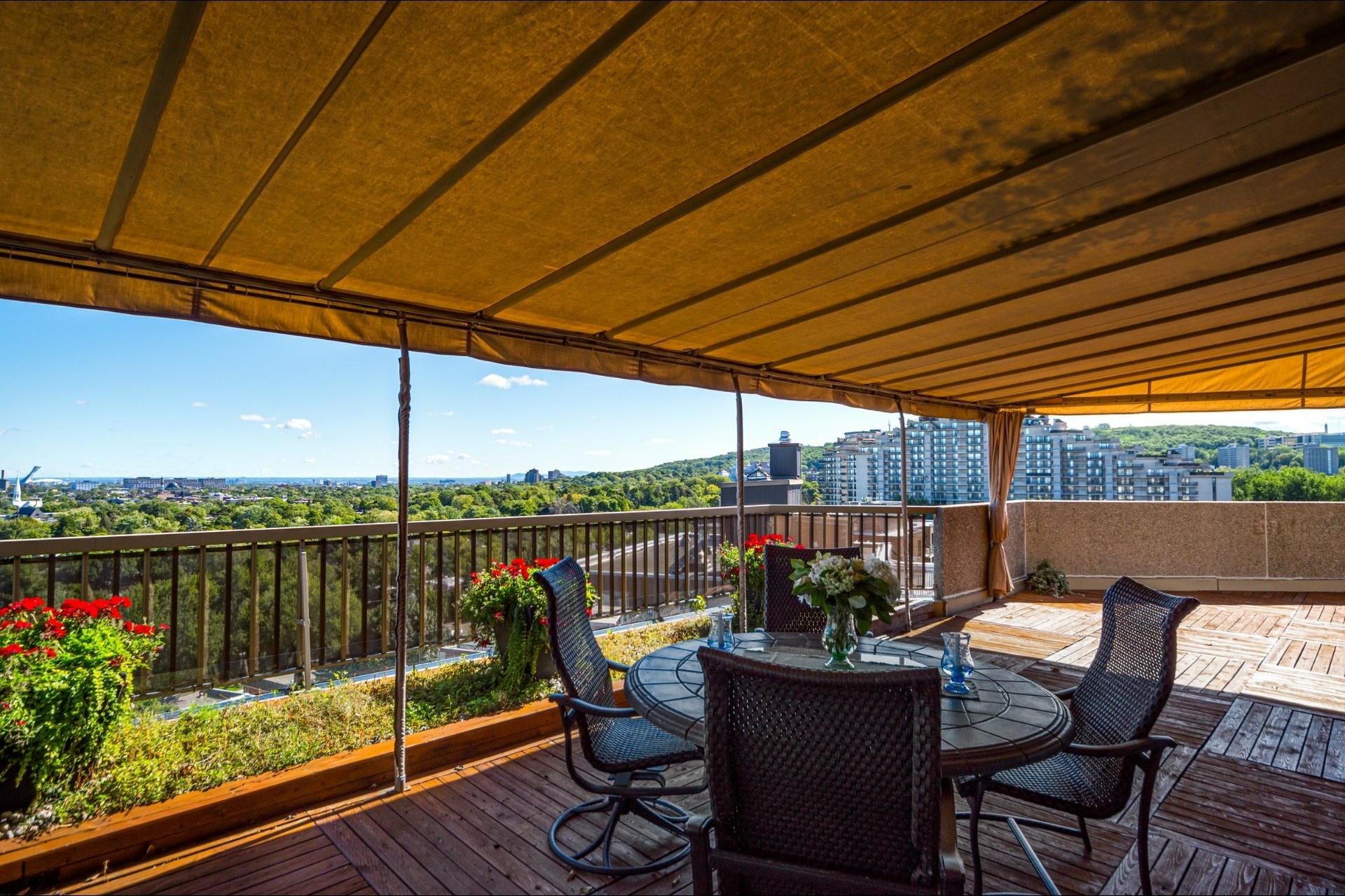 image 2 - Appartamento In Vendita Côte-des-Neiges/Notre-Dame-de-Grâce Montréal  - 12 stanze