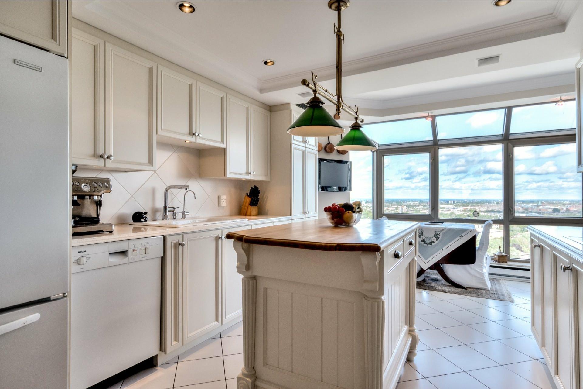 image 16 - Appartamento In Vendita Côte-des-Neiges/Notre-Dame-de-Grâce Montréal  - 12 stanze