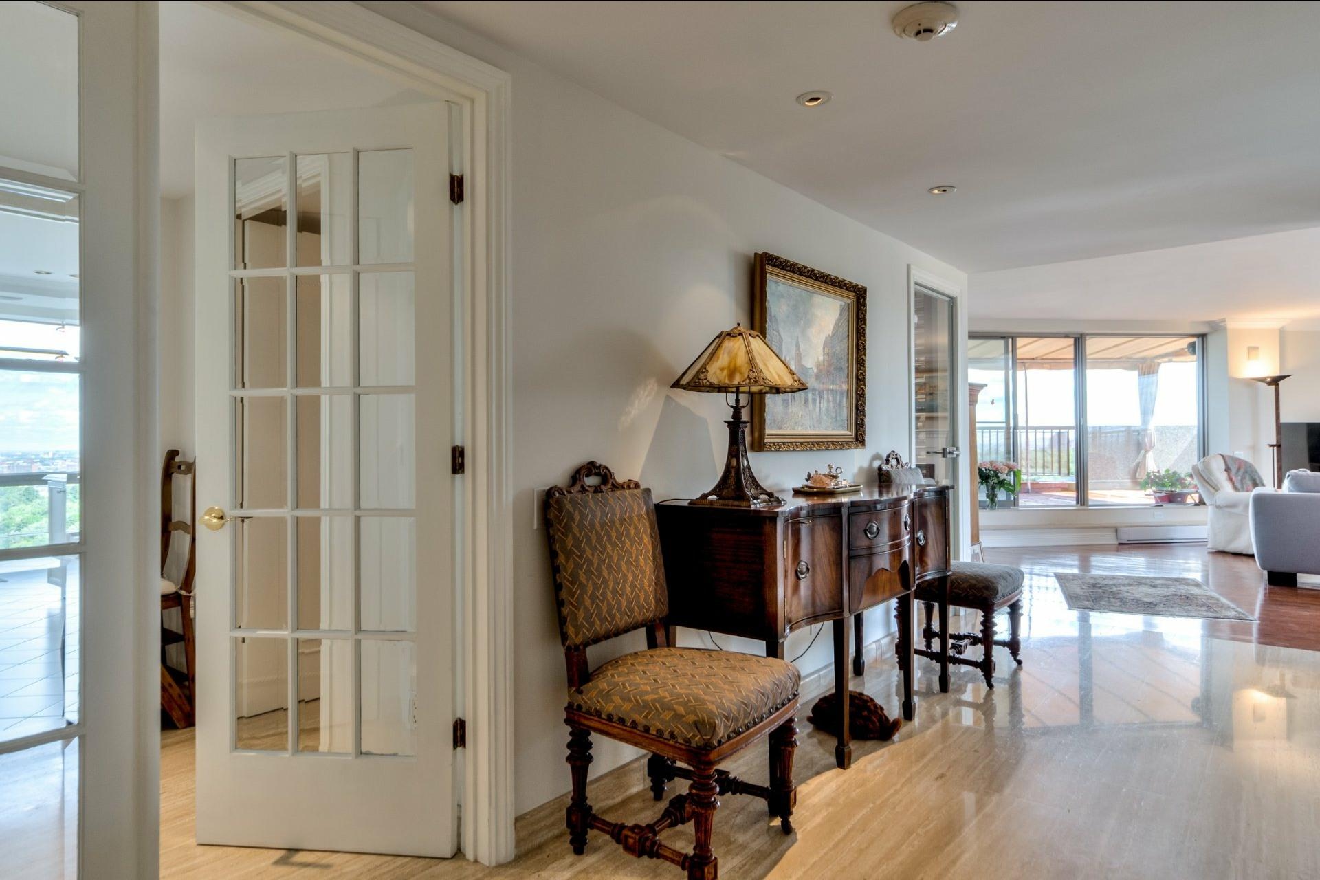 image 2 - Apartment For sale Côte-des-Neiges/Notre-Dame-de-Grâce Montréal  - 12 rooms